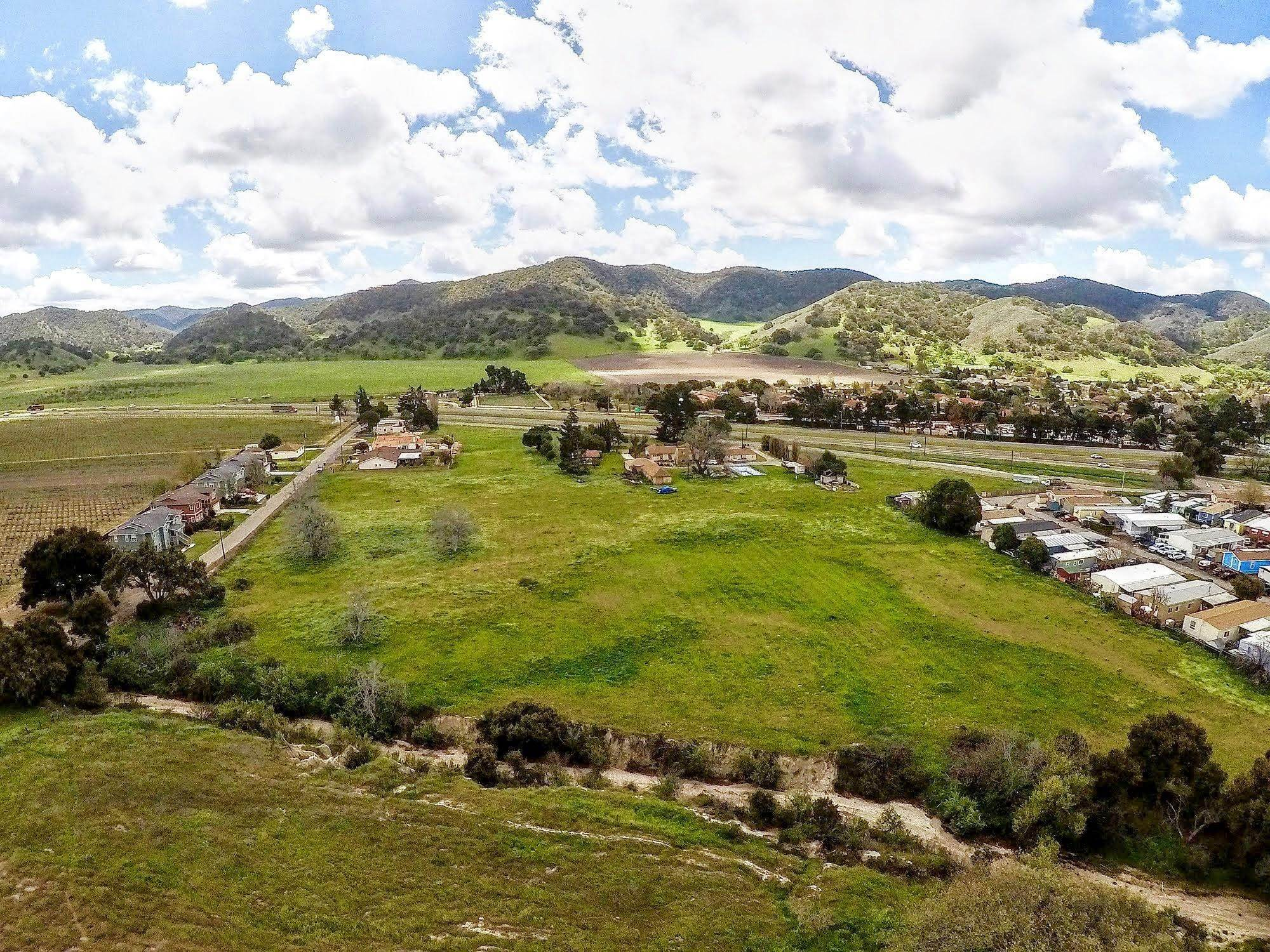Estate for Sale at 9324 Hwy 101 Los Alamos, California 93440 United States