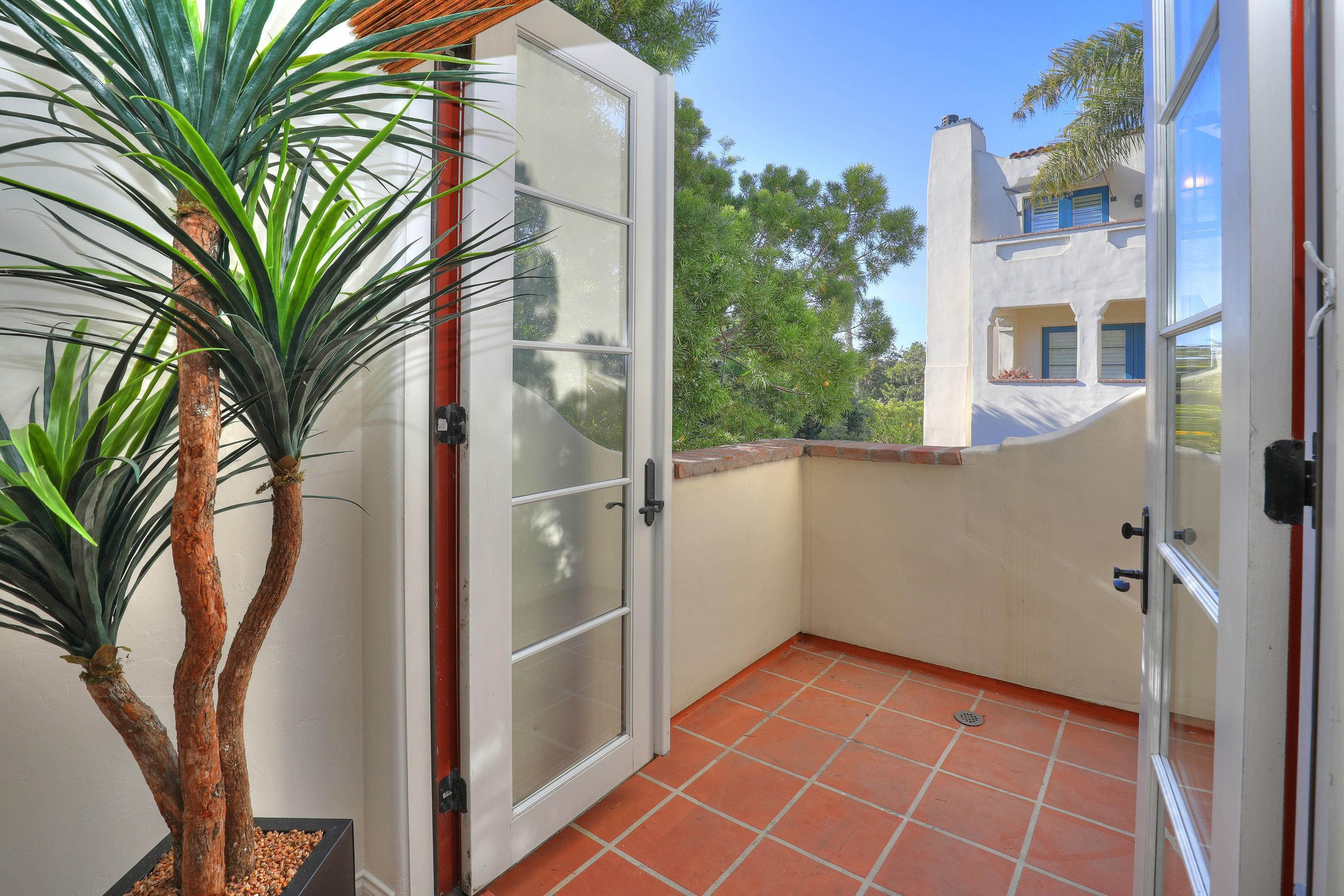 13. Co-op / Condo for Sale at 212 Santa Barbara Street Santa Barbara, California 93101 United States