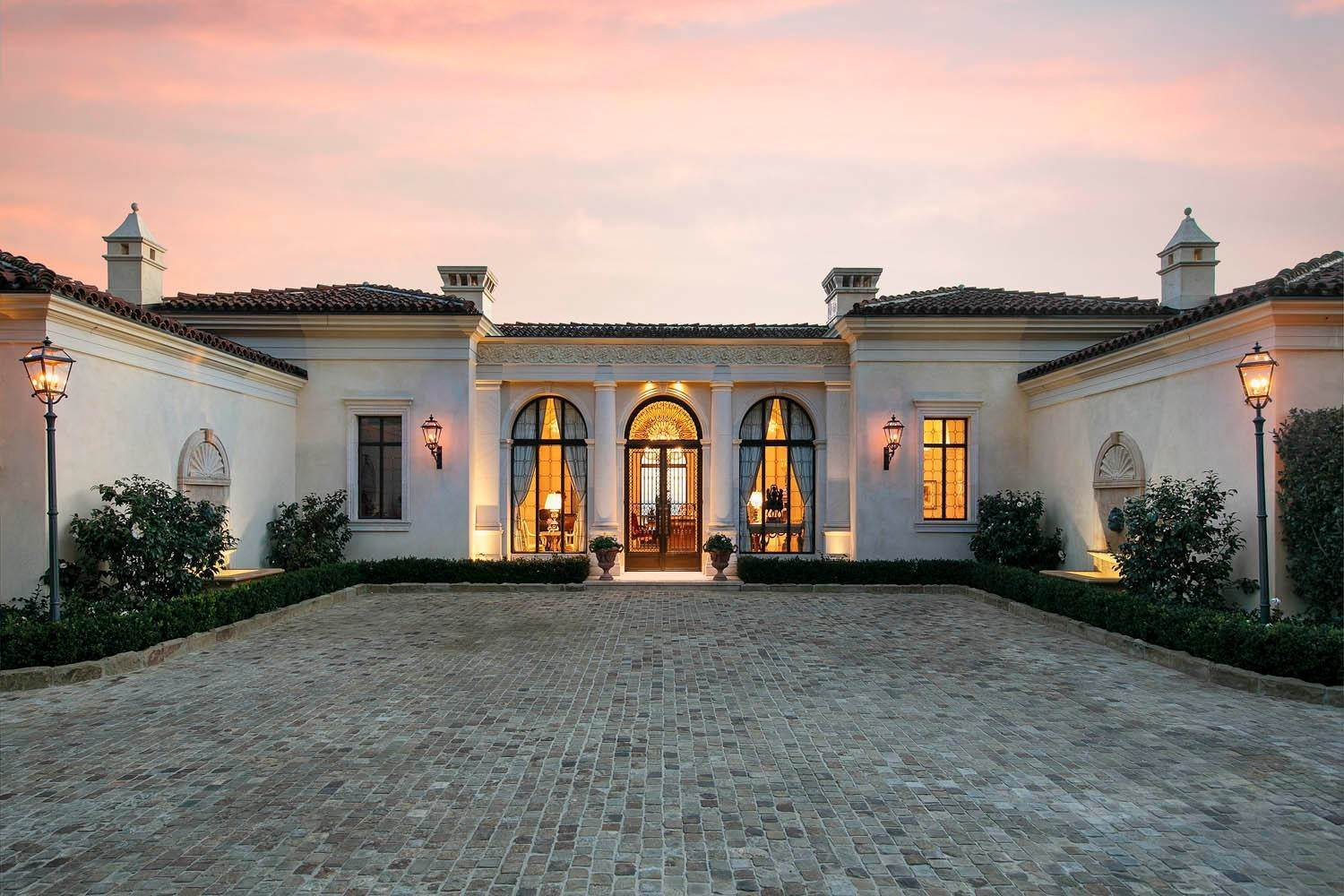 28. Estate for Sale at 1395 Oak Creek Canyon Road Montecito, California 93108 United States