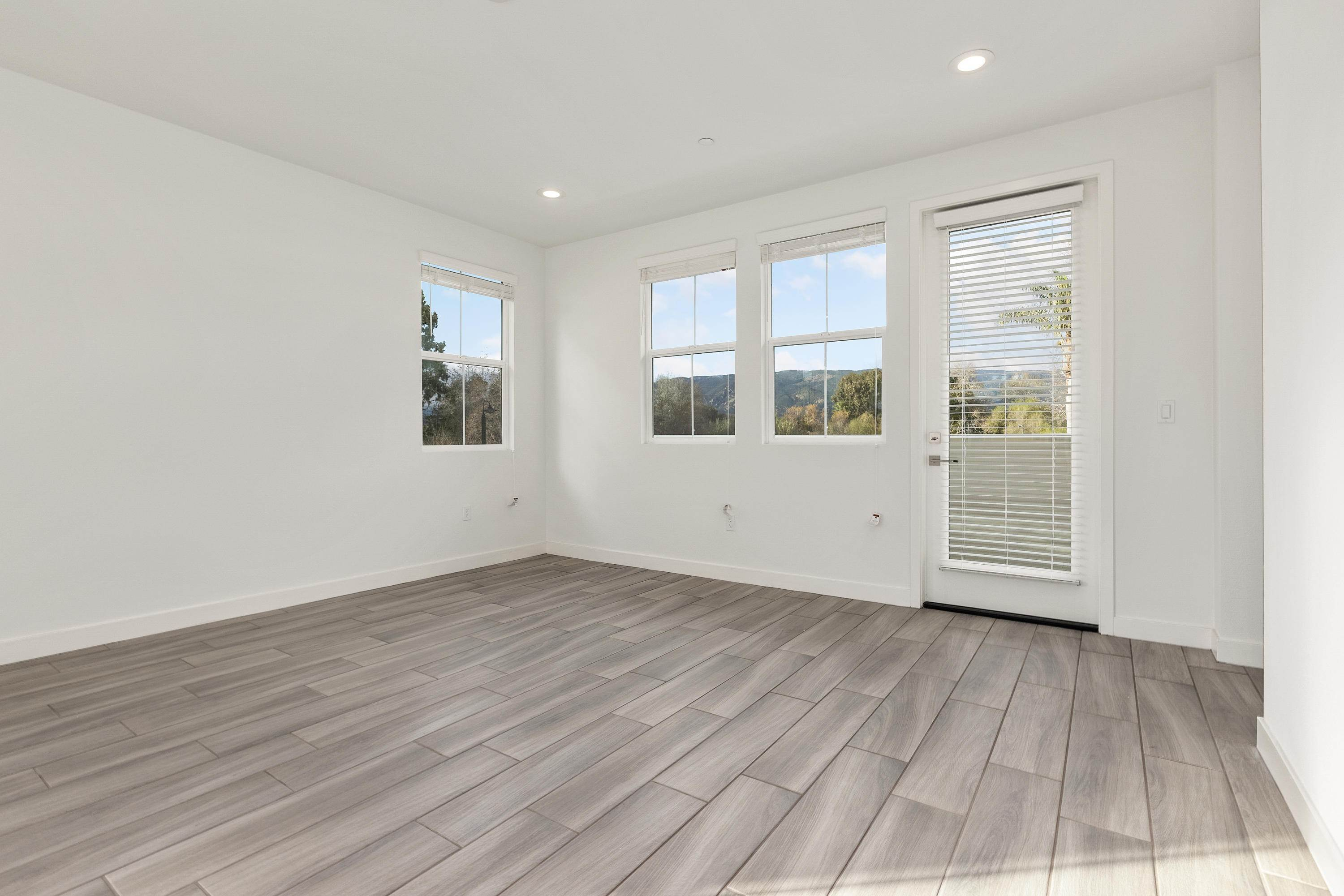 20. Co-op / Condo for Sale at 5655 Ekwill Street Goleta, California 93117 United States