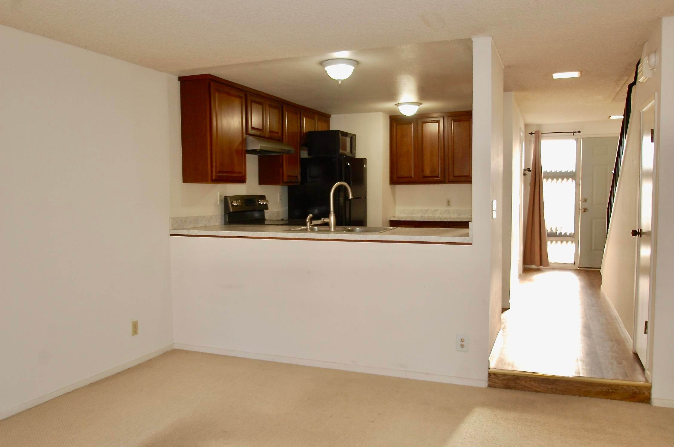 3. Co-op / Condo for Sale at 586 Mills Goleta, California 93117 United States