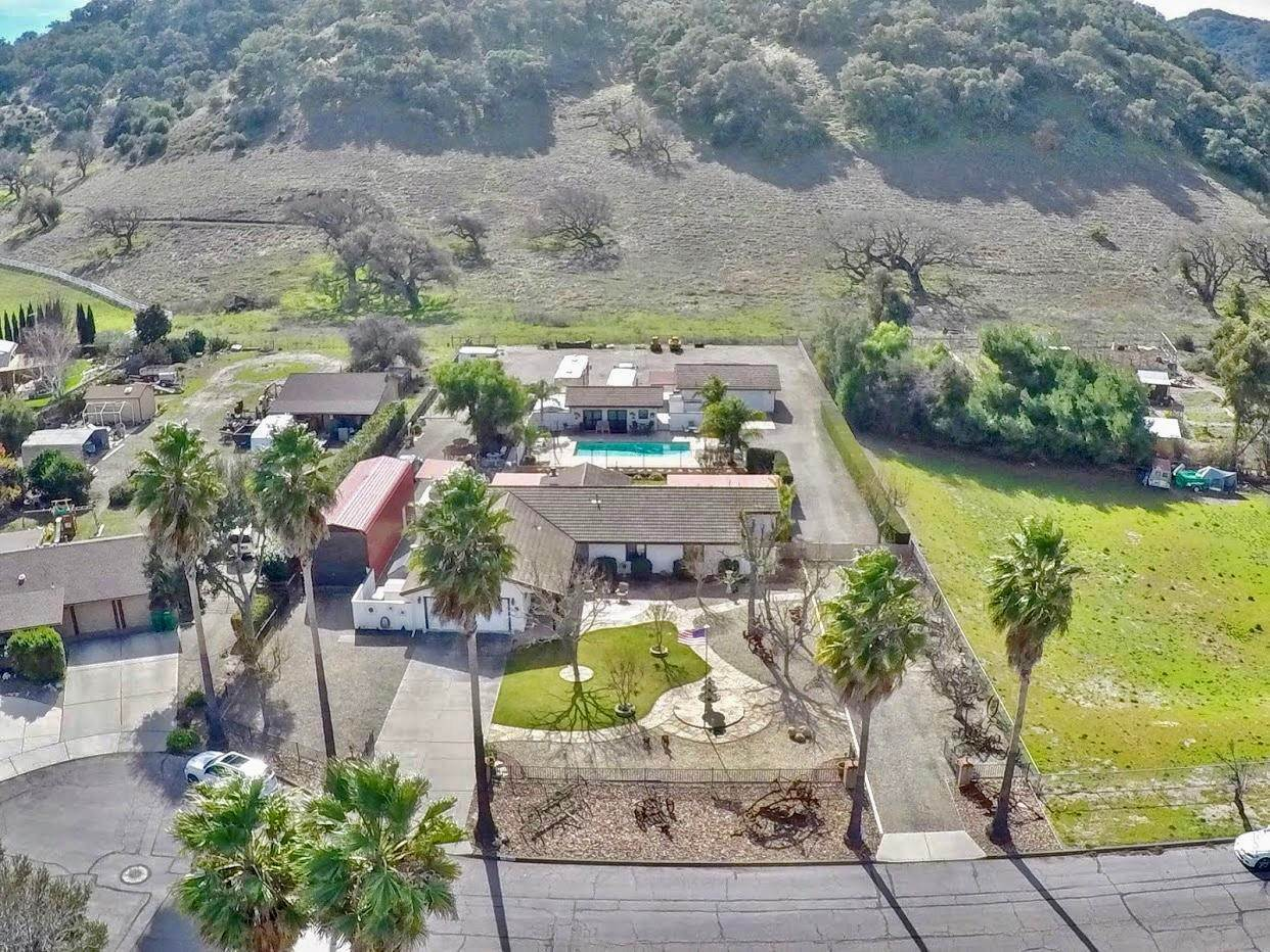 Estate for Sale at 660 Parkview Street Los Alamos, California 93440 United States