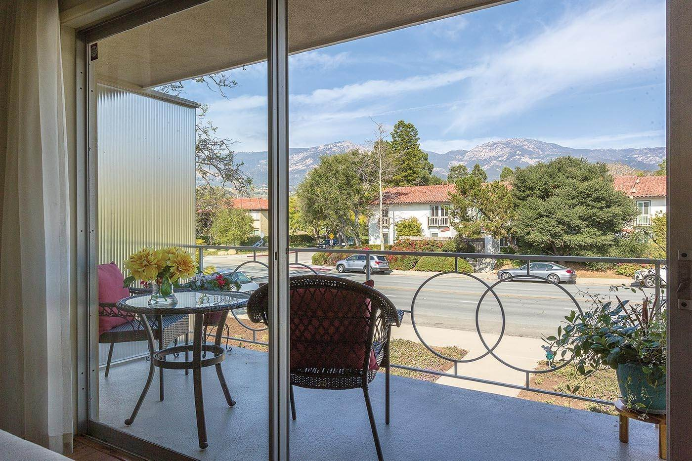 5. Co-op / Condo for Sale at 2645 Streetate Street Santa Barbara, California 93105 United States