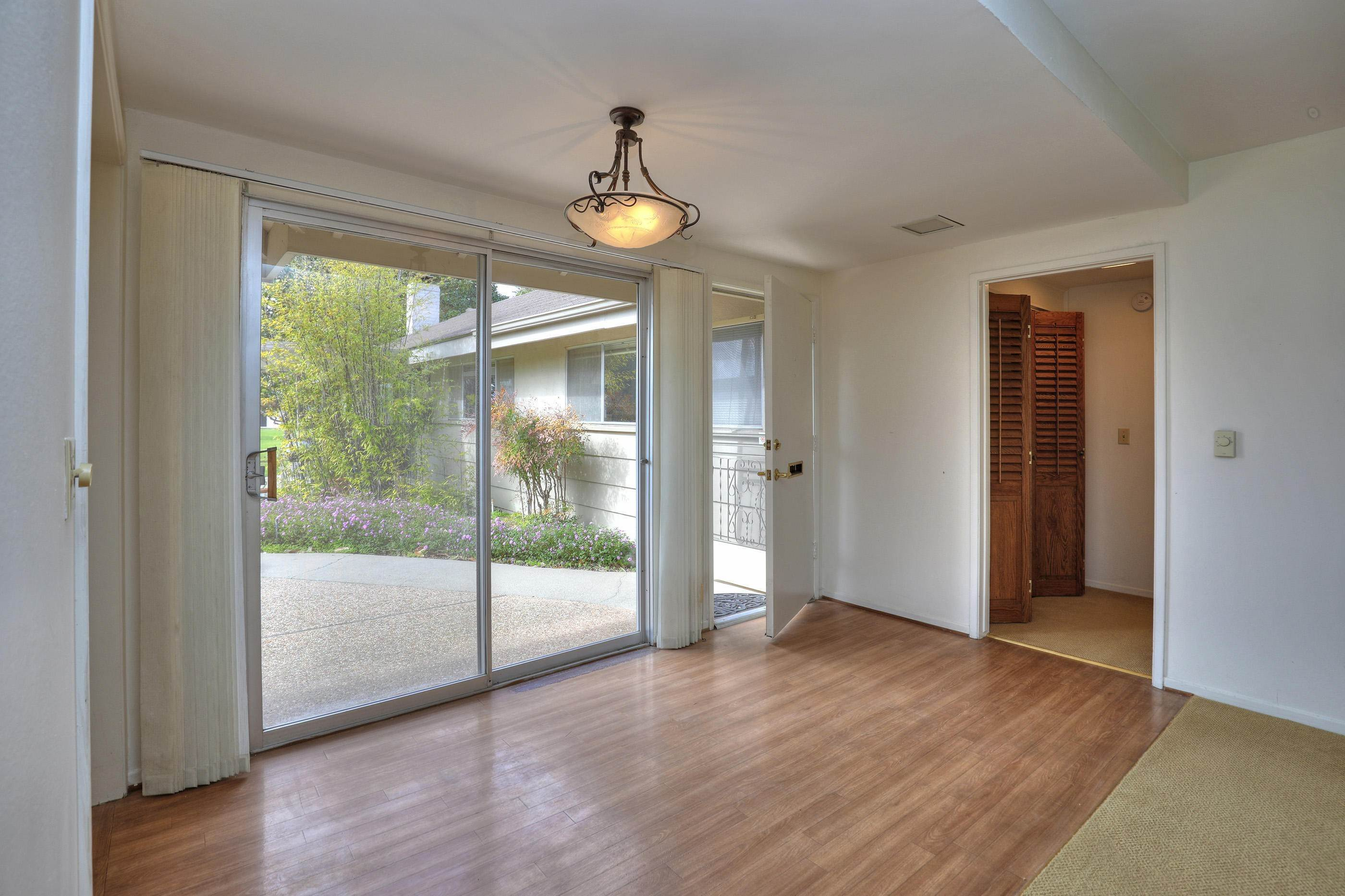7. Co-op / Condo for Sale at 290 Moreton Bay Lane #1 Goleta, California 93117 United States