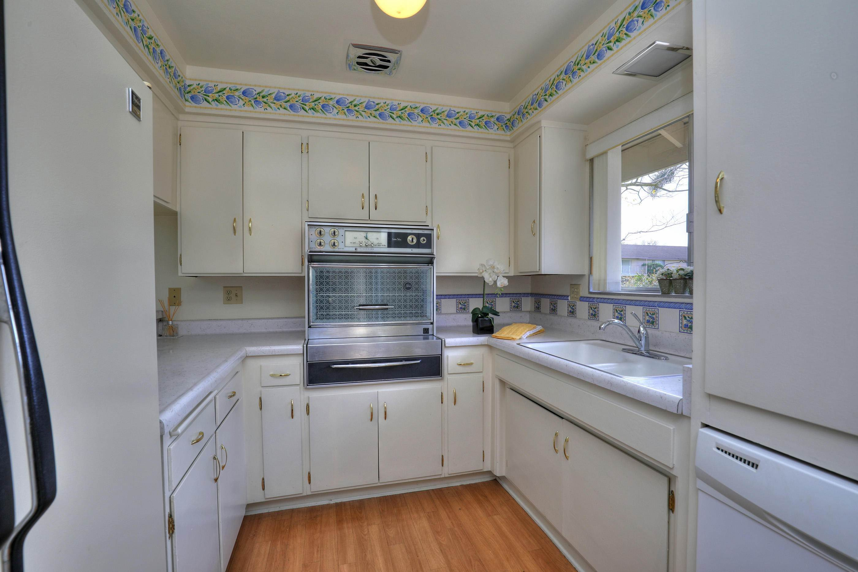2. Co-op / Condo for Sale at 290 Moreton Bay Lane #1 Goleta, California 93117 United States