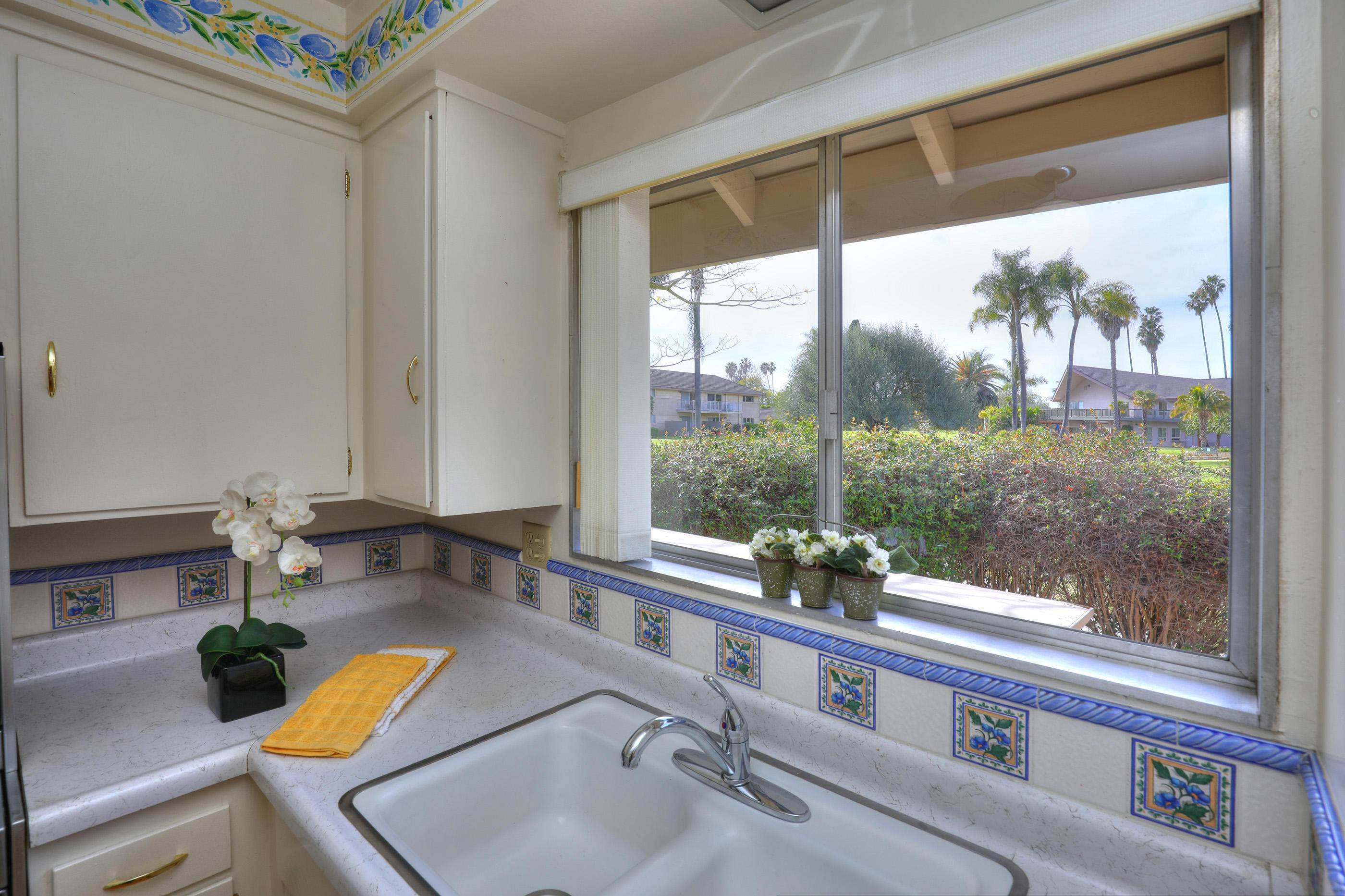 3. Co-op / Condo for Sale at 290 Moreton Bay Lane #1 Goleta, California 93117 United States