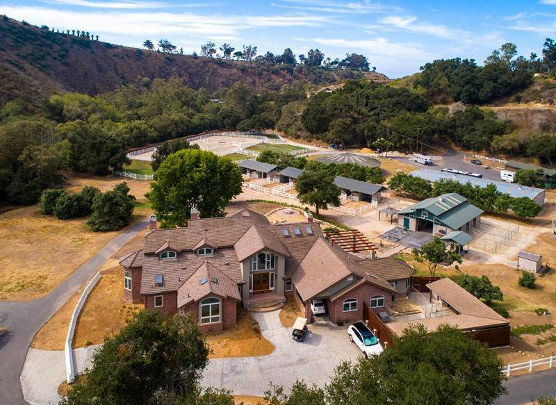 2. Farm and Ranch Properties for Sale at 800 Rincon Hill Road Carpinteria, California 93013 United States