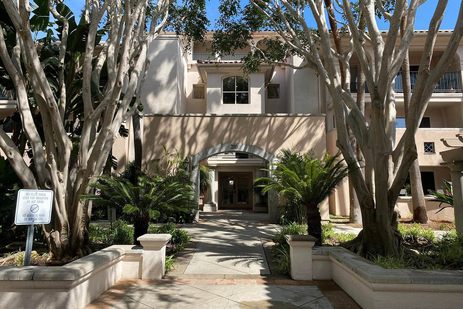 17. Co-op / Condo for Sale at 239 Por La Mar Circle Santa Barbara, California 93103 United States