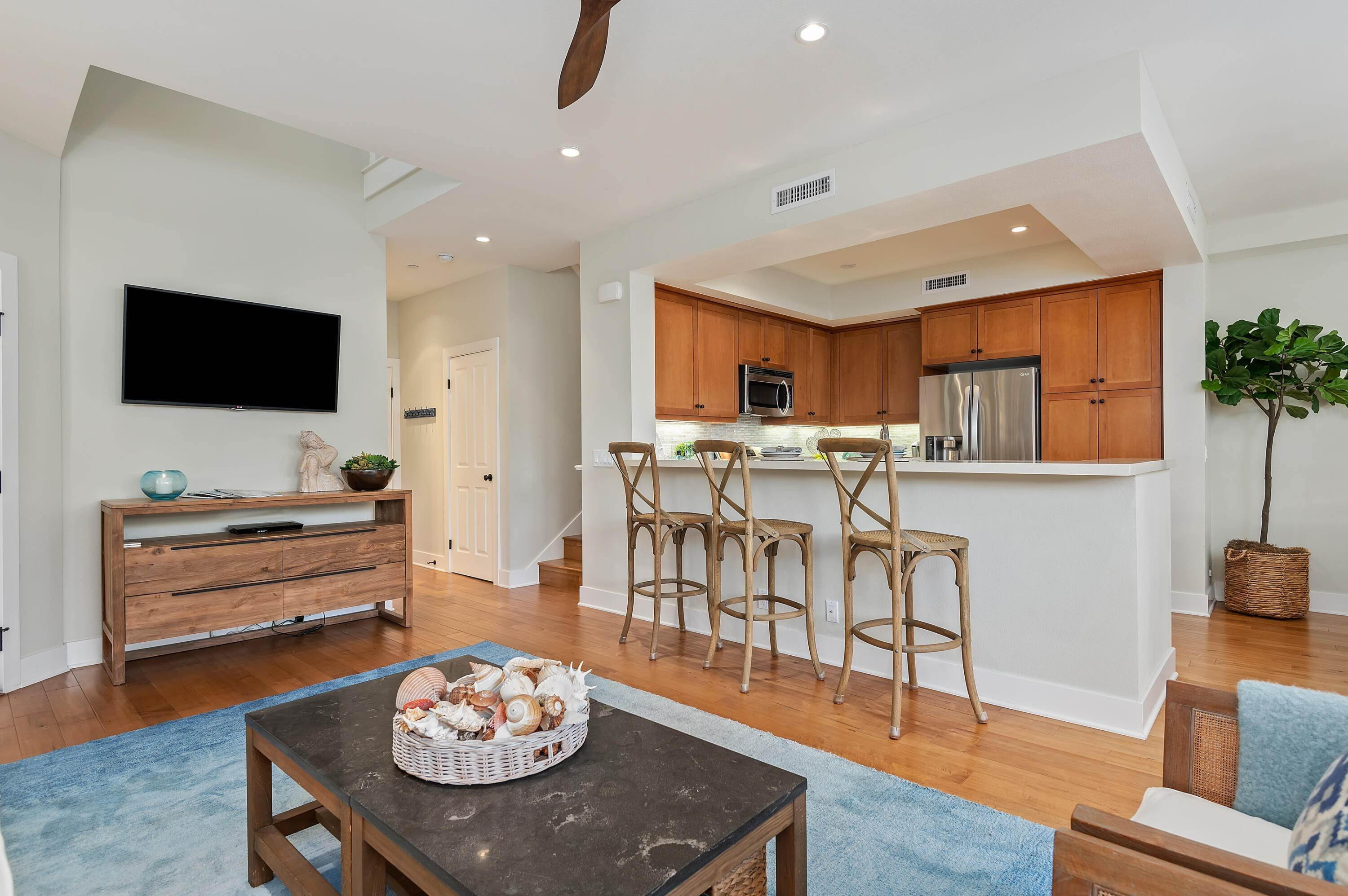 6. Co-op / Condo for Sale at 4359 Carpinteria Avenue Carpinteria, California 93013 United States