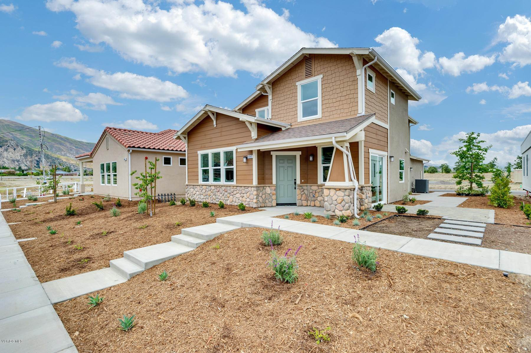 Single Family Homes por un Venta en 4040 Aurora Way Piru, California 93040 Estados Unidos