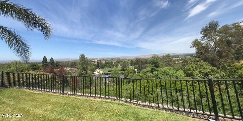 40. Single Family Homes for Sale at 545 Country View Place Camarillo, California 93010 United States