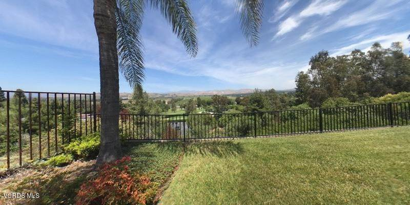 41. Single Family Homes for Sale at 545 Country View Place Camarillo, California 93010 United States