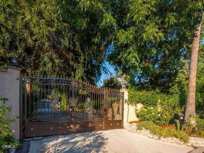 Single Family Homes for Sale at 381 East Las Flores Drive Altadena, California 91001 United States