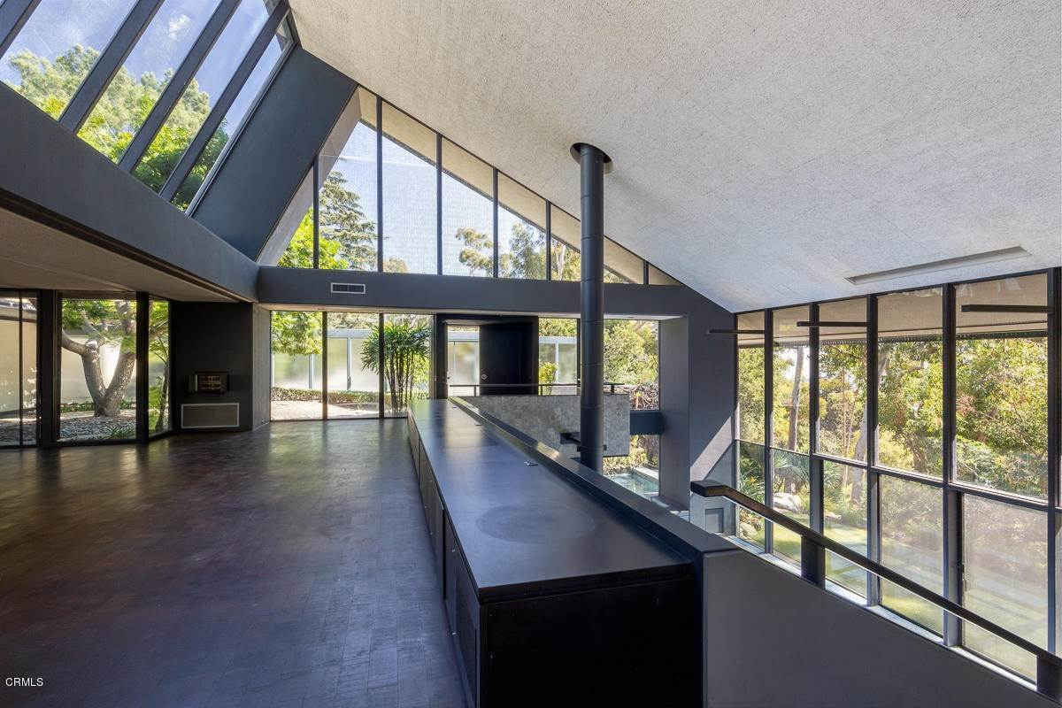 10. Single Family Homes for Sale at 1100 Paso Alto Road Pasadena, California 91105 United States