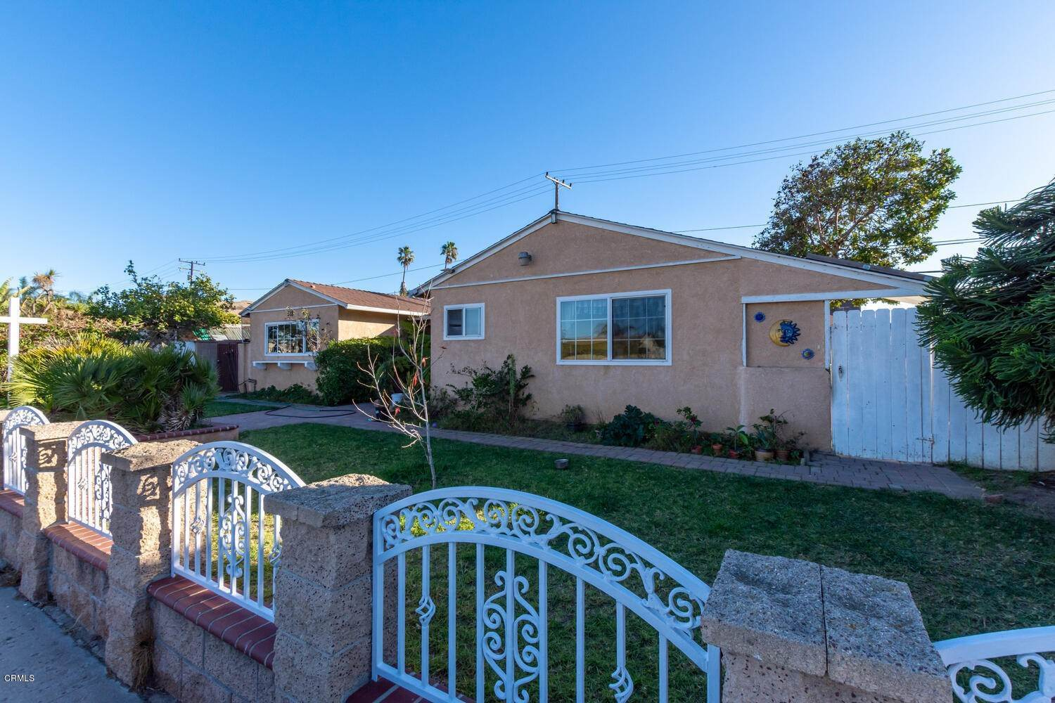 3. Single Family Homes for Sale at 518 Teakwood Street Oxnard, California 93033 United States