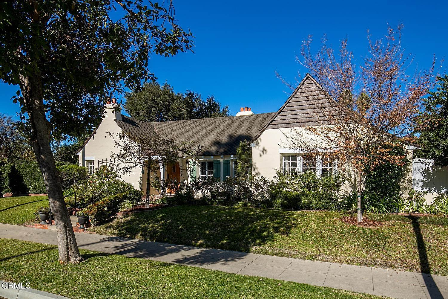 3. Single Family Homes for Sale at 441 East Glenarm Street Pasadena, California 91106 United States