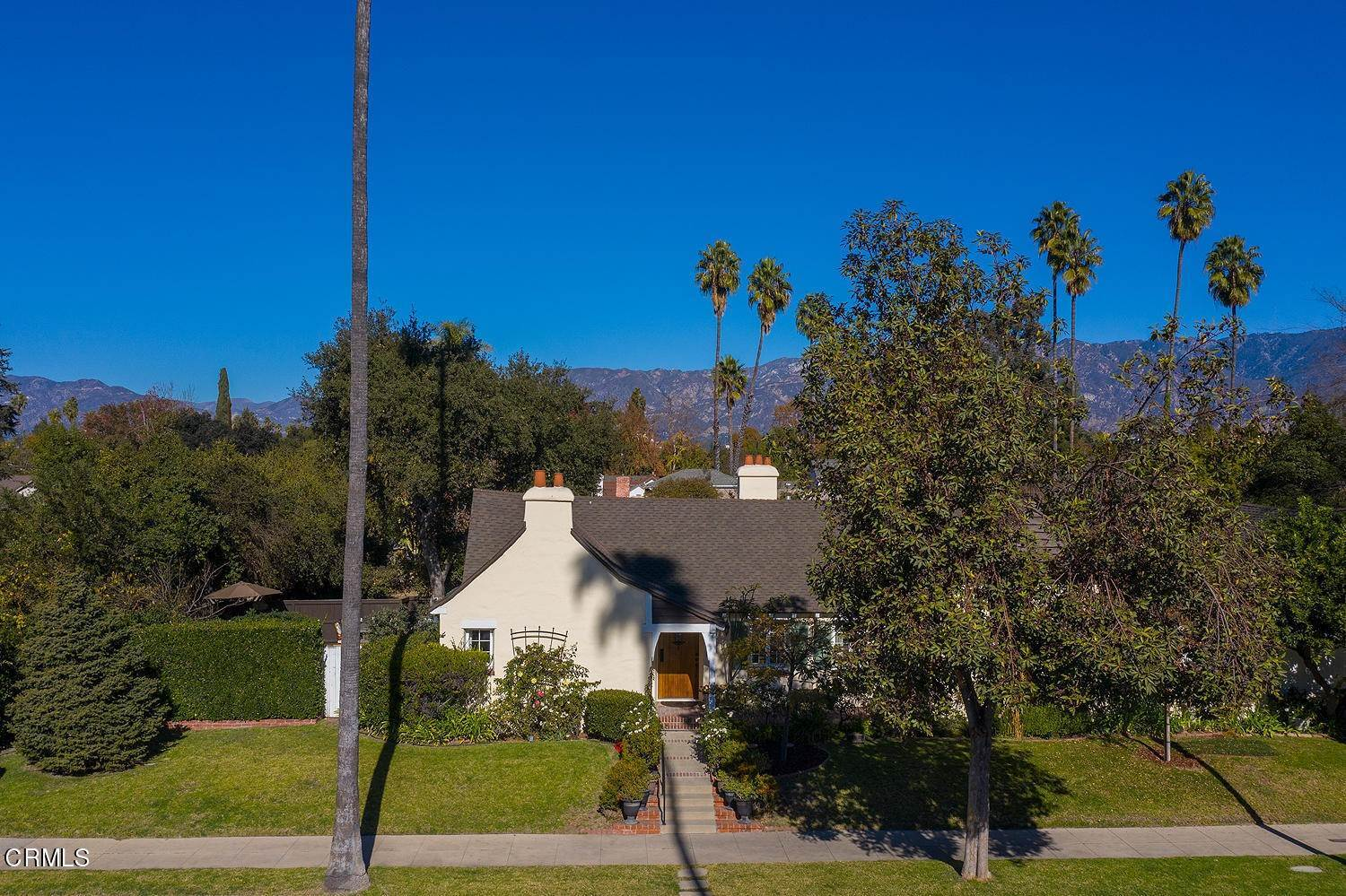 31. Single Family Homes for Sale at 441 East Glenarm Street Pasadena, California 91106 United States