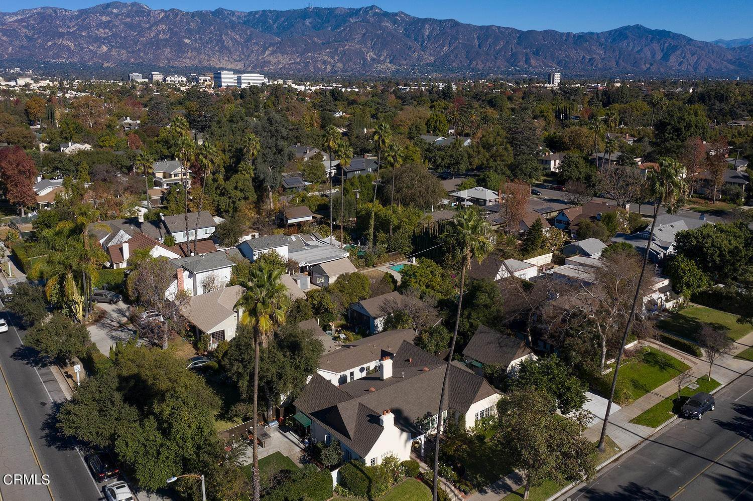 35. Single Family Homes for Sale at 441 East Glenarm Street Pasadena, California 91106 United States