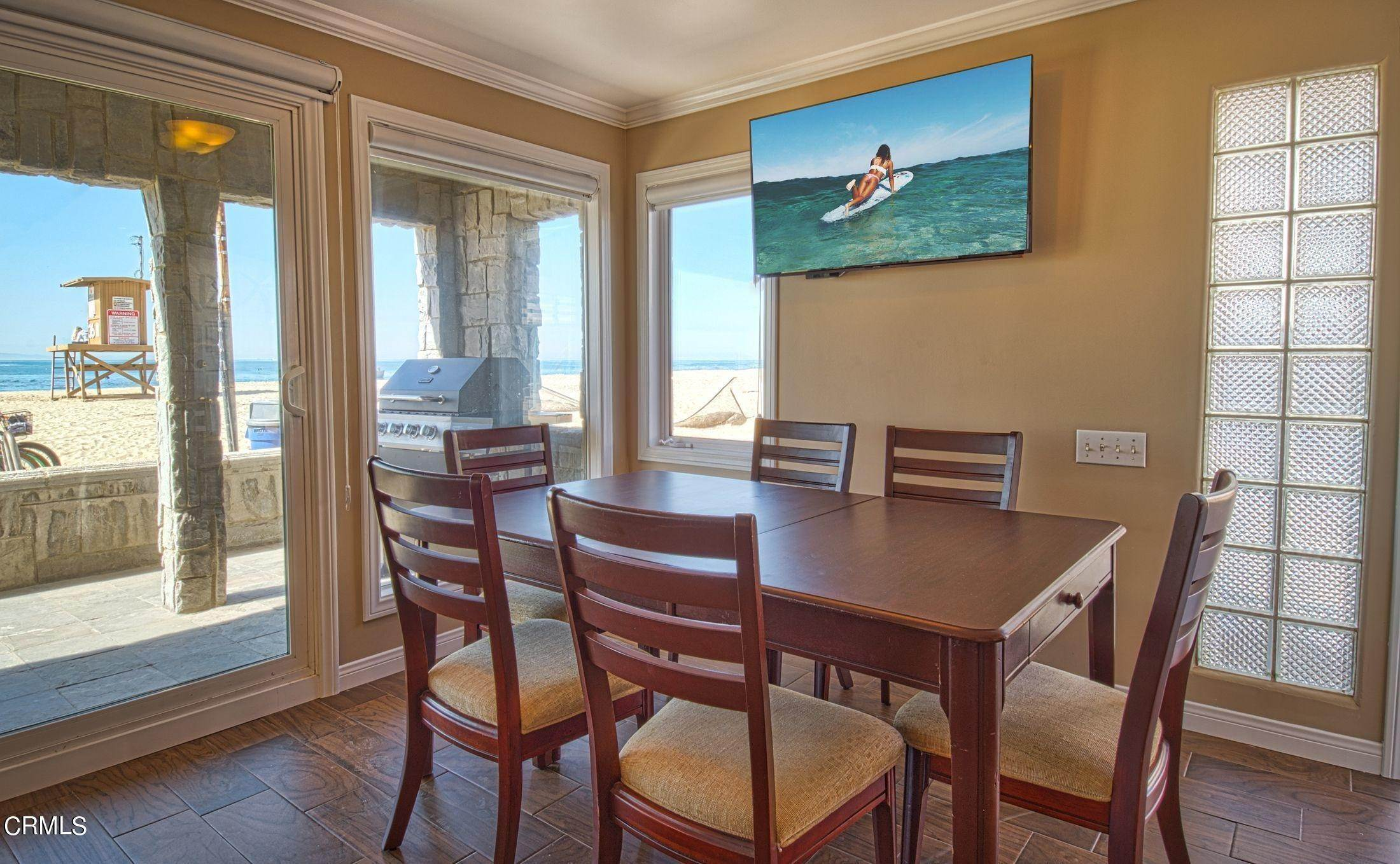8. Single Family Homes for Sale at 3515 Seashore Drive Newport Beach, California 92663 United States