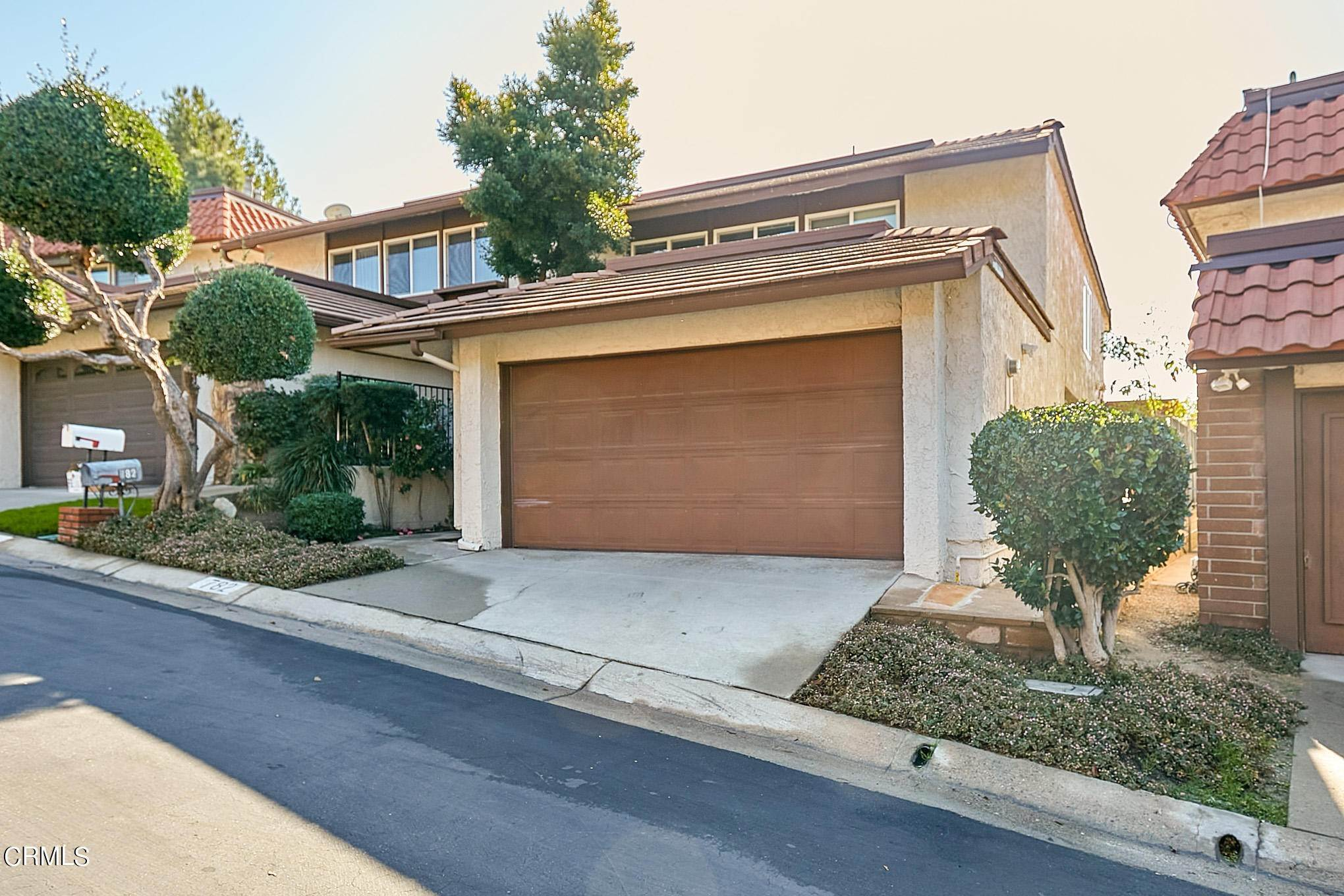 townhouses 在 782 Starlight Heights Drive La Canada Flintridge, 加利福尼亚州 91011 美国