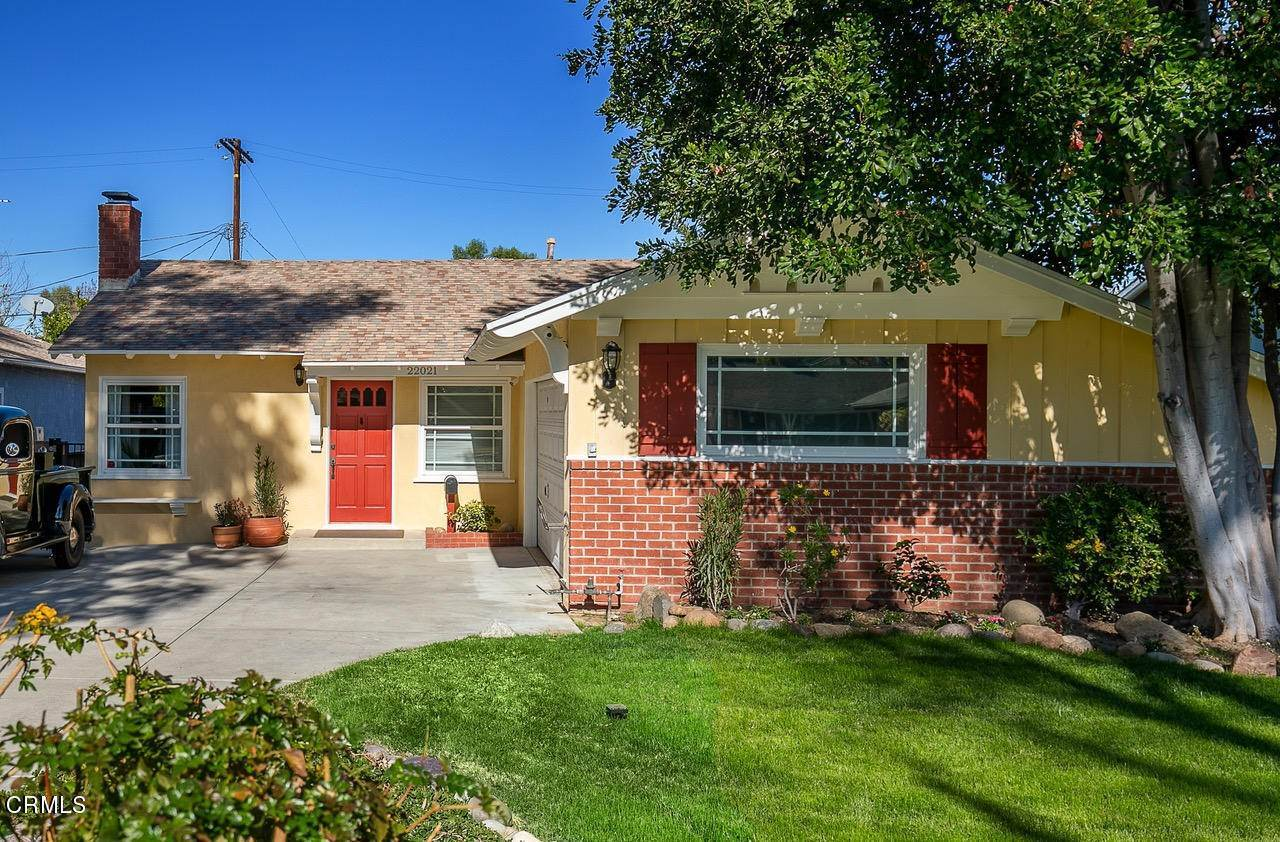 Single Family Homes for Sale at 22021 De La Osa Street Woodland Hills, California 91364 United States