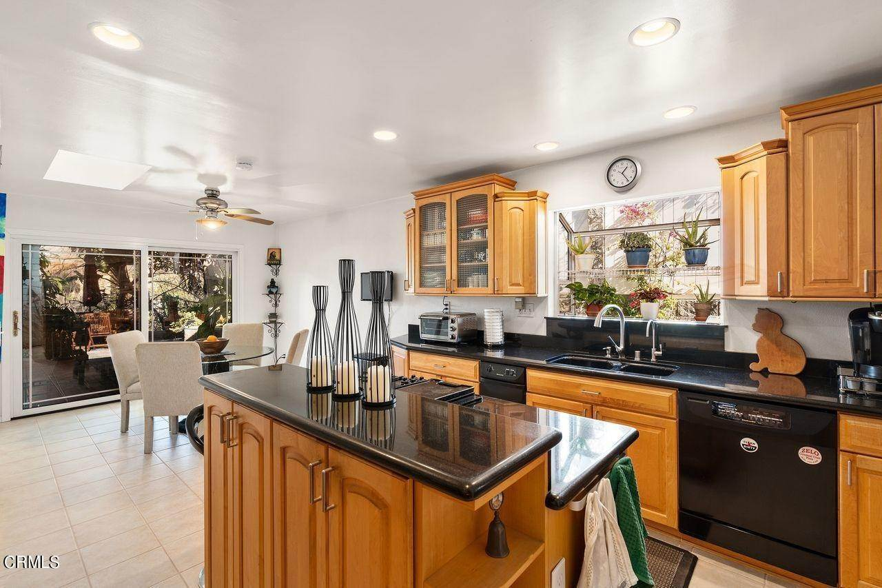 14. Single Family Homes for Sale at 1781 Sunny Heights Drive Los Angeles, California 90065 United States