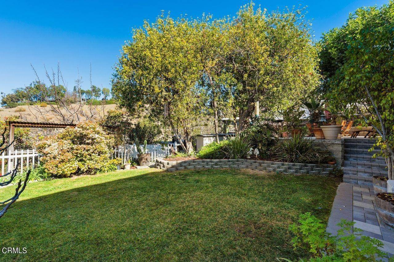 36. Single Family Homes for Sale at 1781 Sunny Heights Drive Los Angeles, California 90065 United States