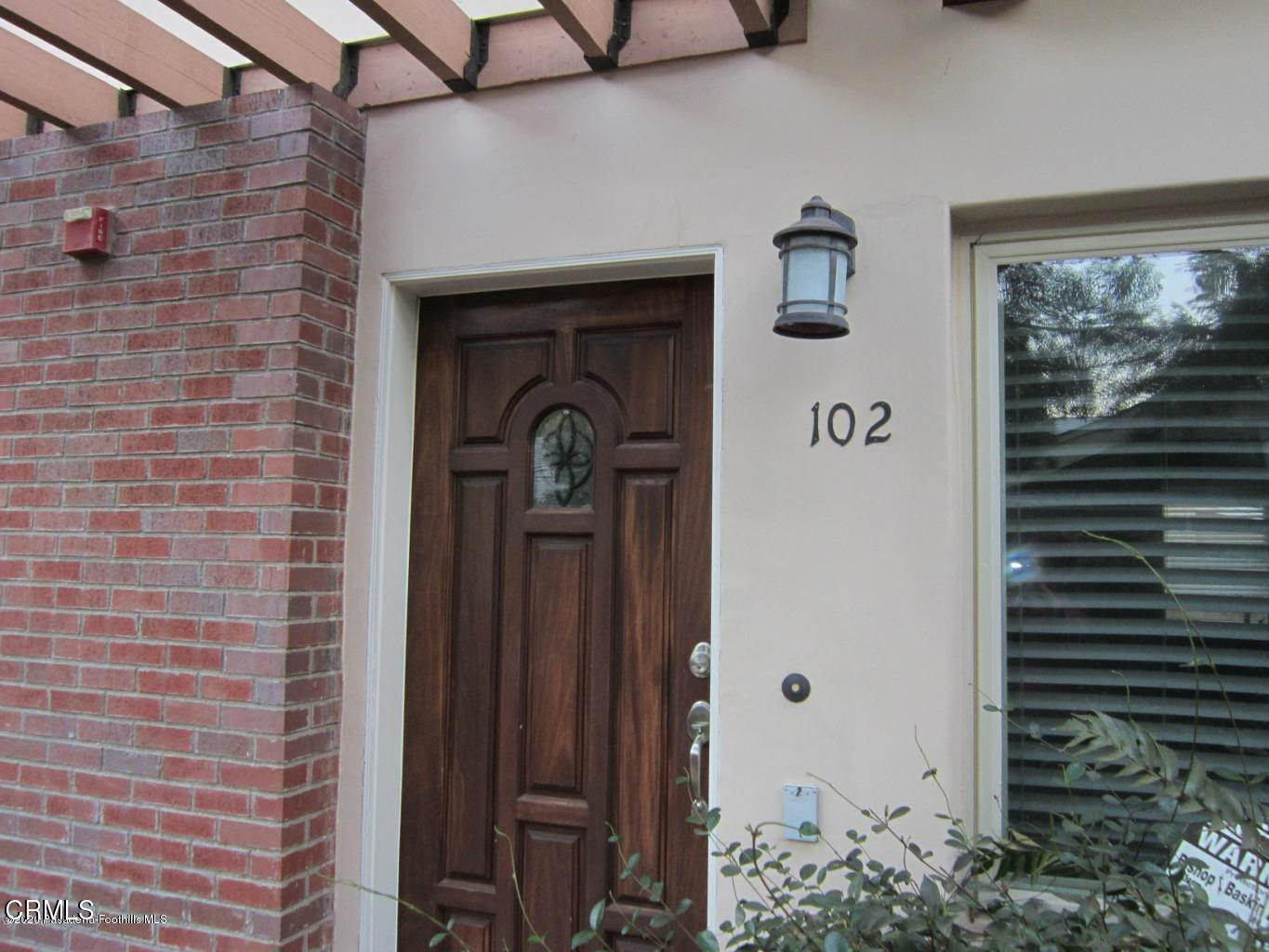 2. townhouses for Sale at 272 North Chester Avenue #102 272 North Chester Avenue Pasadena, California 91106 United States