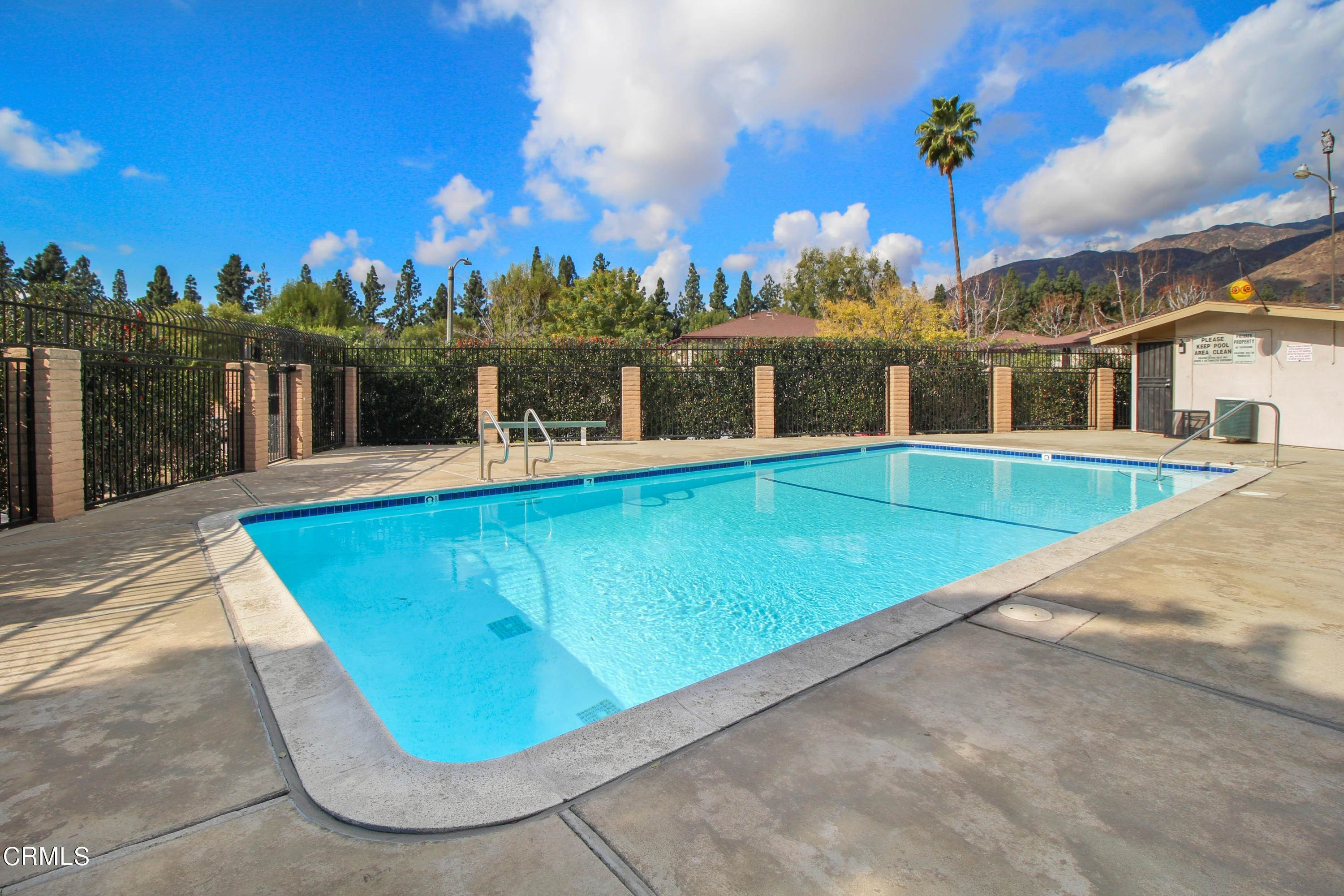 19. Condominiums for Sale at 1105 West Calle De La Luna #4 1105 West Calle De La Luna Azusa, California 91702 United States