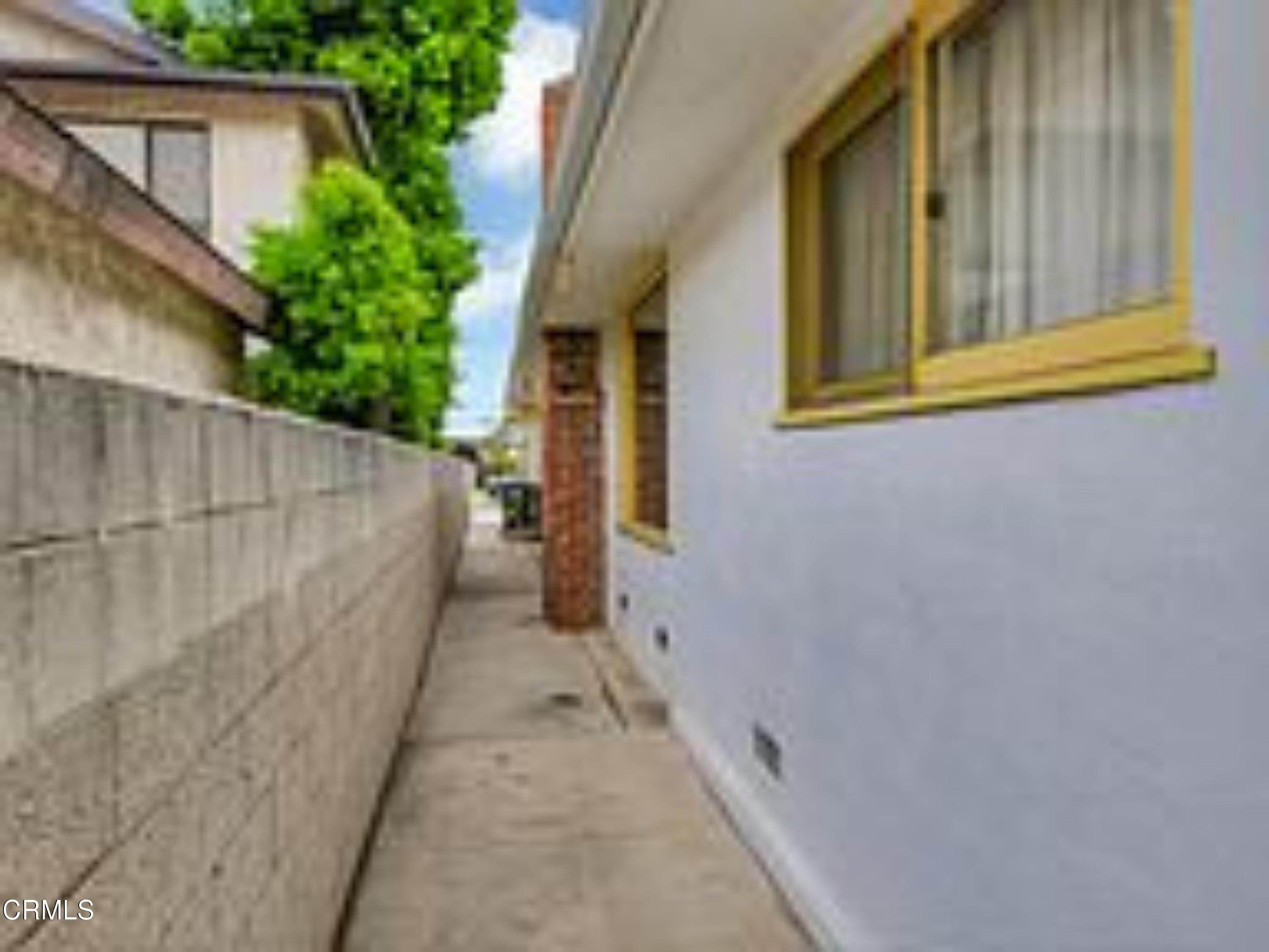 33. Single Family Homes for Sale at 4203 West 141st Street Hawthorne, California 90250 United States