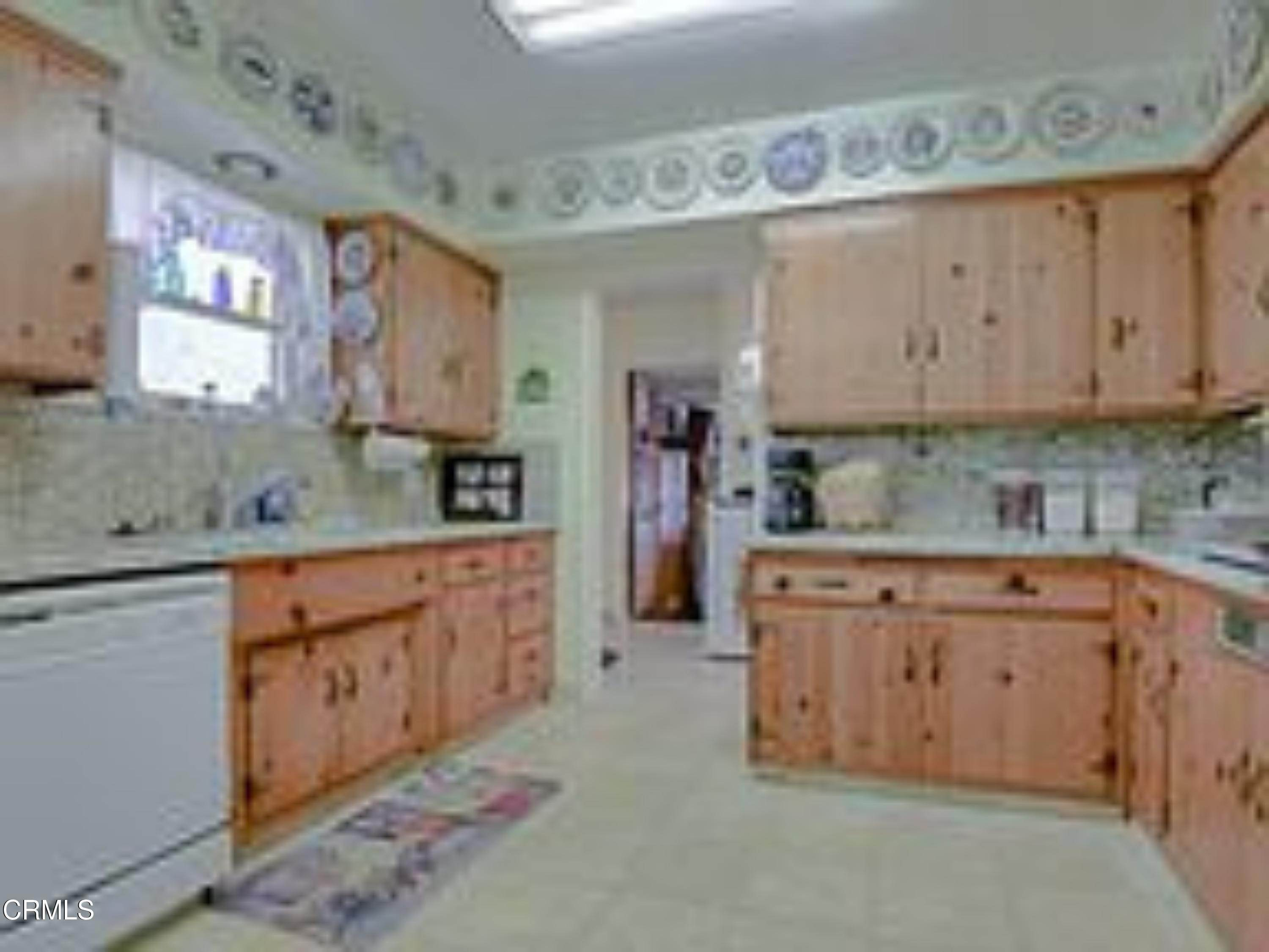 14. Single Family Homes for Sale at 4203 West 141st Street Hawthorne, California 90250 United States