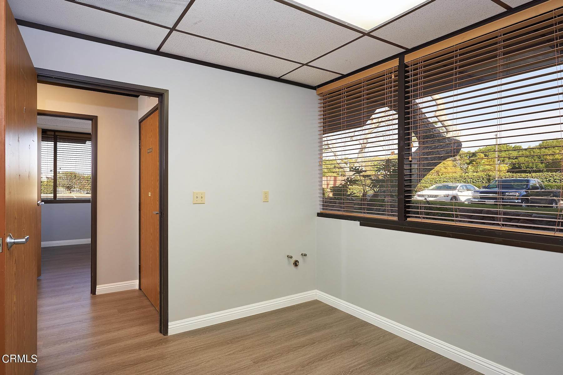 10. Offices for Sale at 921 West 7th Street Oxnard, California 93030 United States