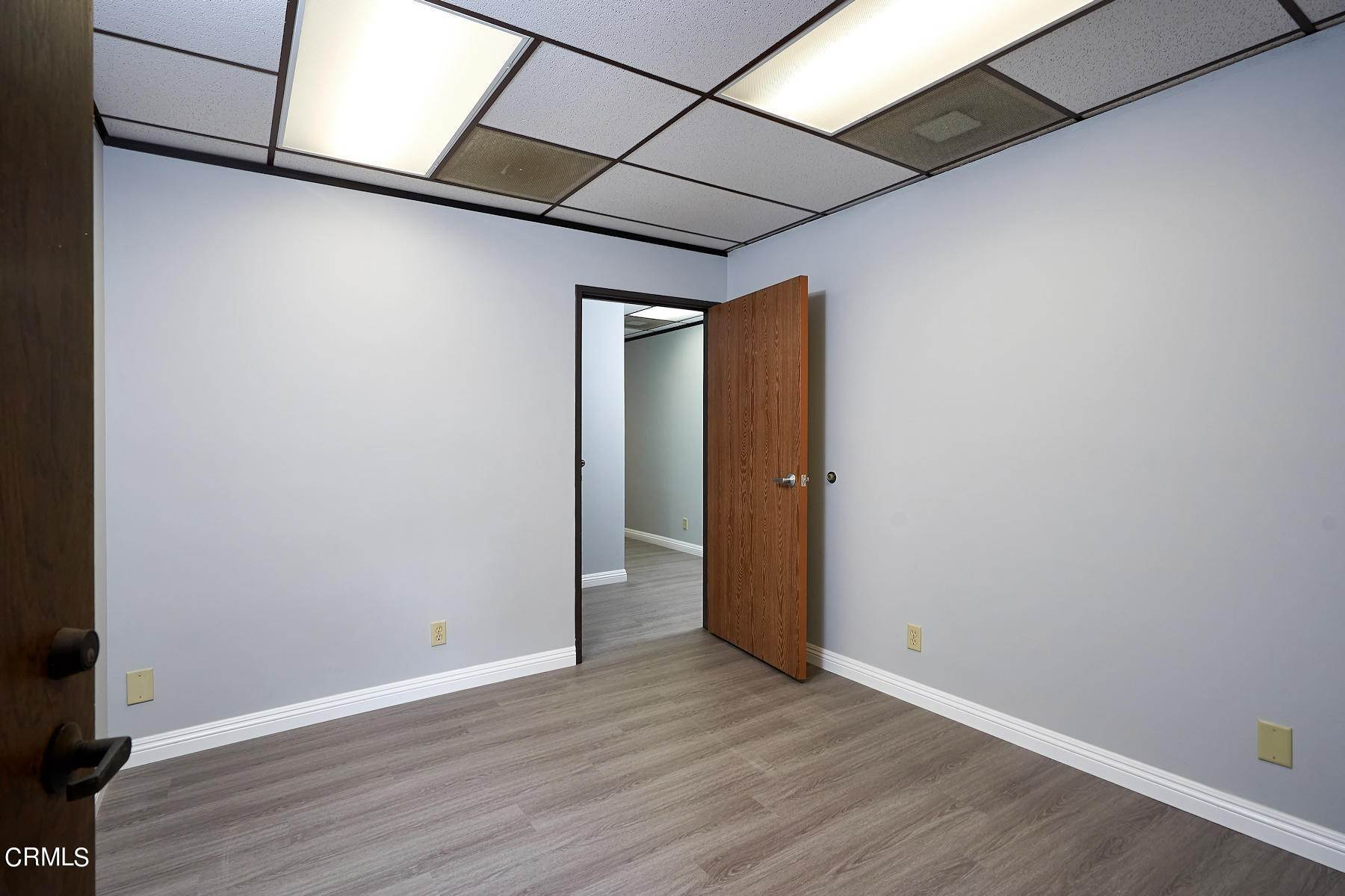 18. Offices for Sale at 921 West 7th Street Oxnard, California 93030 United States