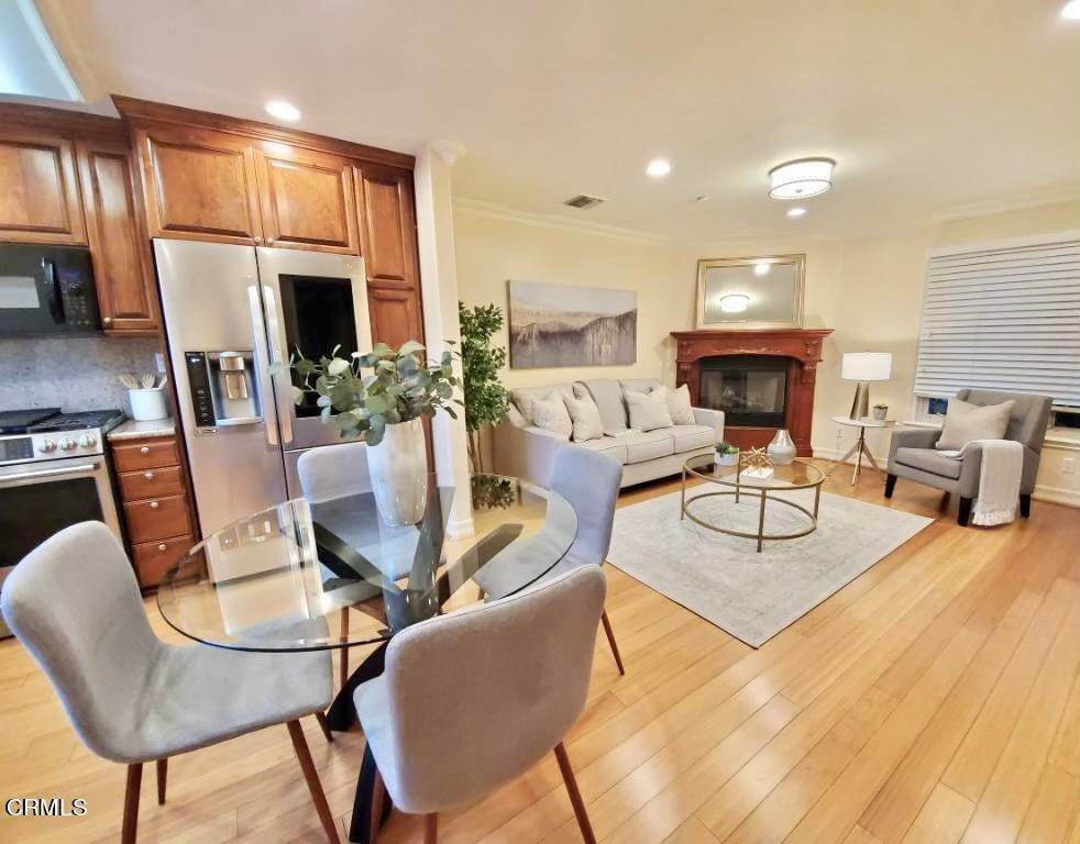 5. townhouses for Sale at 272 North Chester Avenue #102 272 North Chester Avenue Pasadena, California 91106 United States