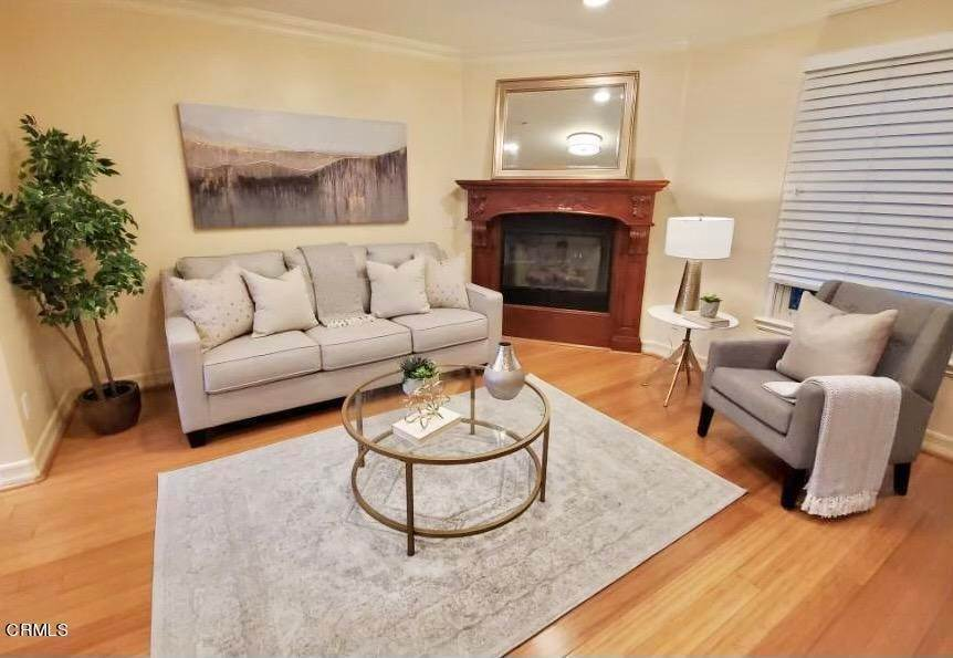 7. townhouses for Sale at 272 North Chester Avenue #102 272 North Chester Avenue Pasadena, California 91106 United States