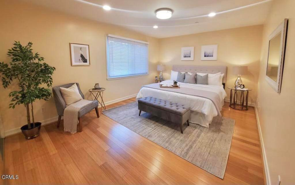 9. townhouses for Sale at 272 North Chester Avenue #102 272 North Chester Avenue Pasadena, California 91106 United States