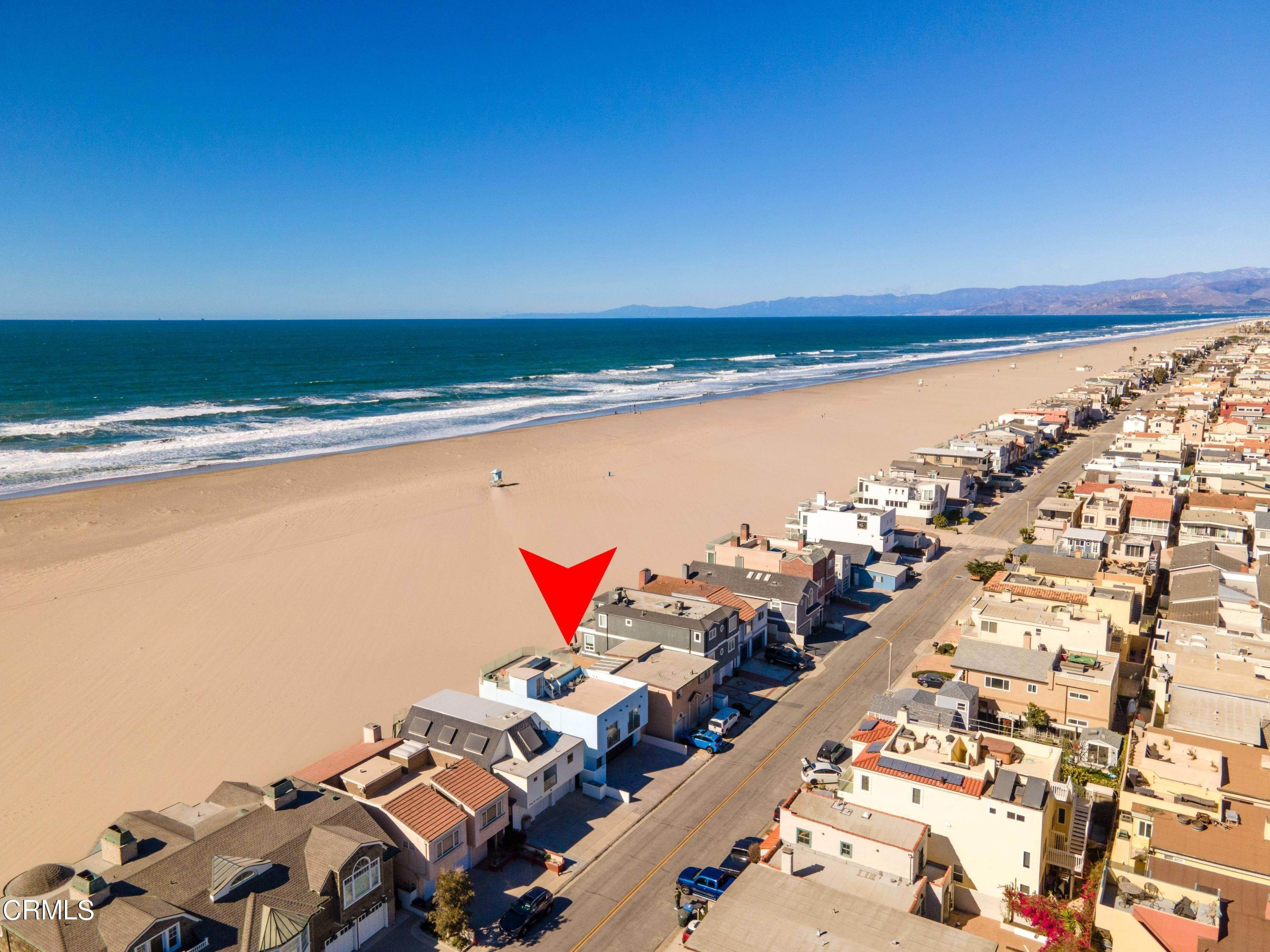 11. Single Family Homes for Sale at 3521 Ocean Drive Oxnard, California 93035 United States