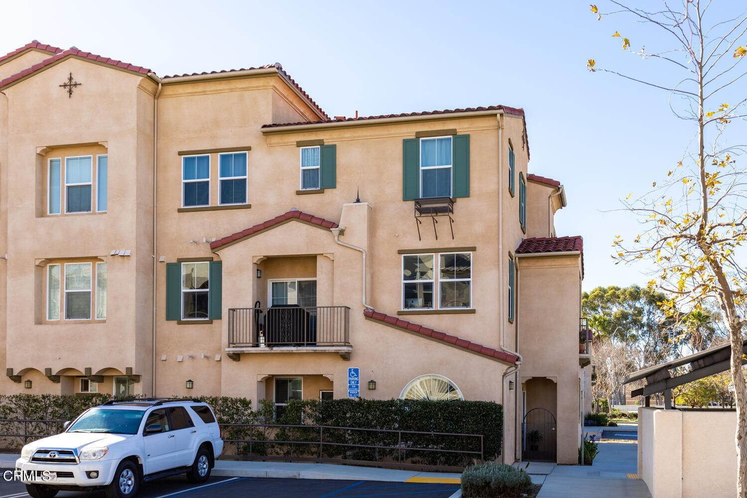 23. Condominiums for Sale at 313 Riverpark Boulevard #204 313 Riverpark Boulevard Oxnard, California 93036 United States