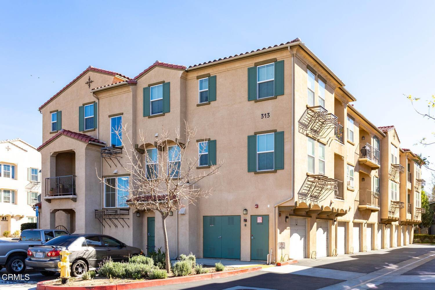Condominiums for Sale at 313 Riverpark Boulevard #204 313 Riverpark Boulevard Oxnard, California 93036 United States