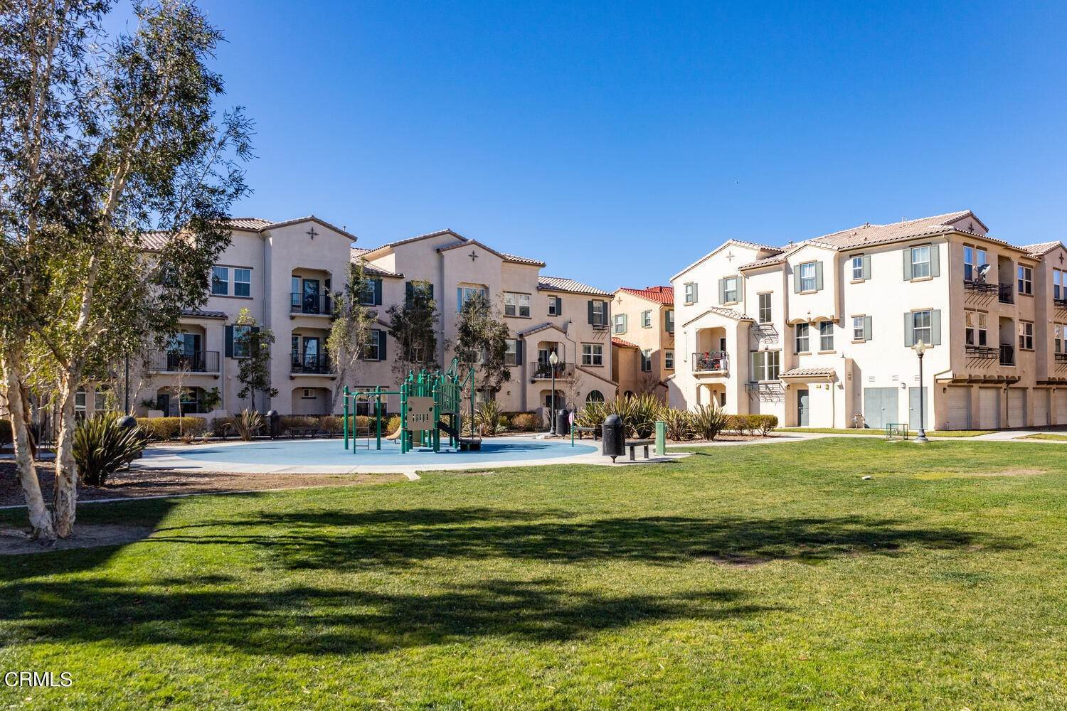 26. Condominiums for Sale at 313 Riverpark Boulevard #204 313 Riverpark Boulevard Oxnard, California 93036 United States