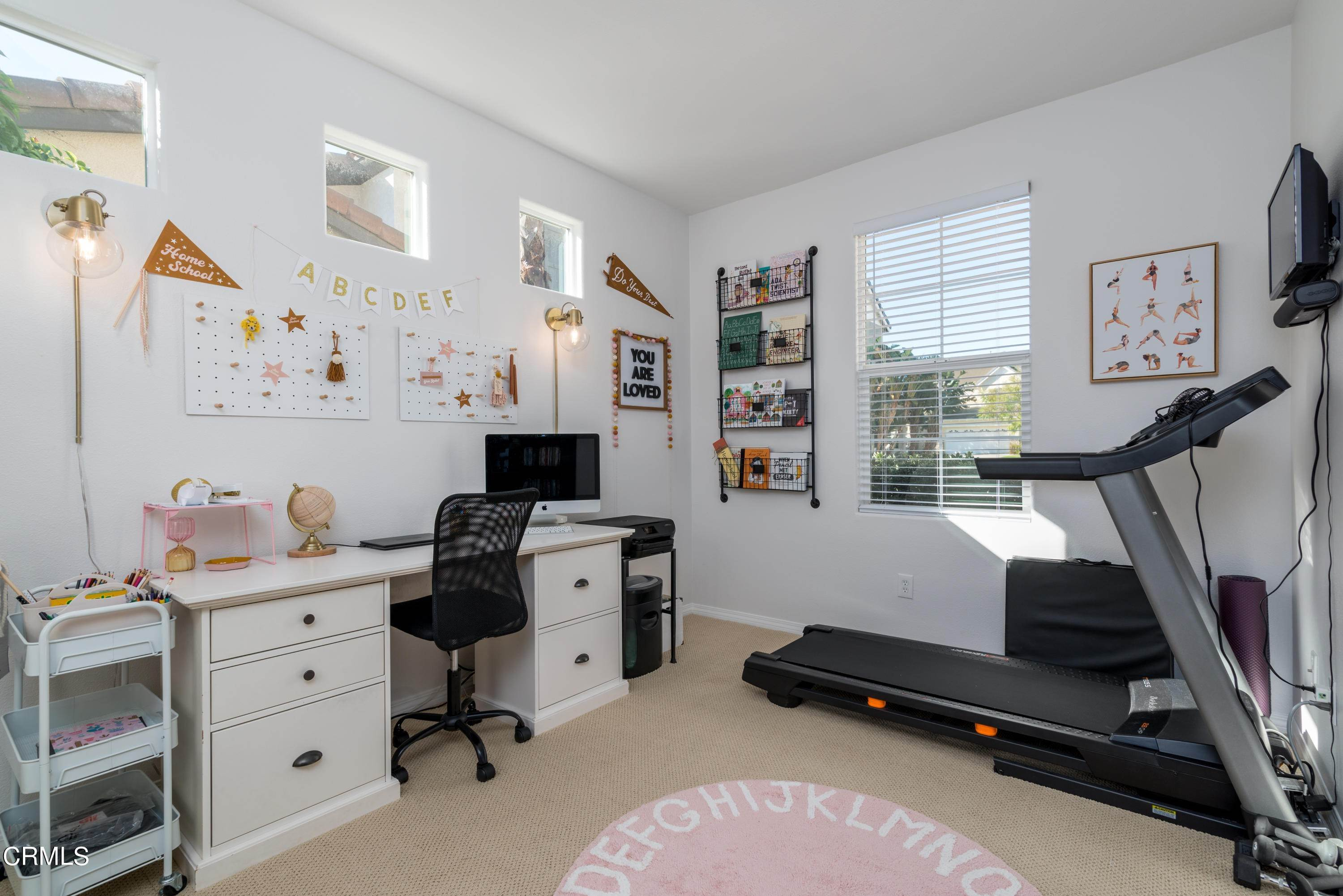 14. Single Family Homes for Sale at 381 Village Commons Boulevard Camarillo, California 93012 United States