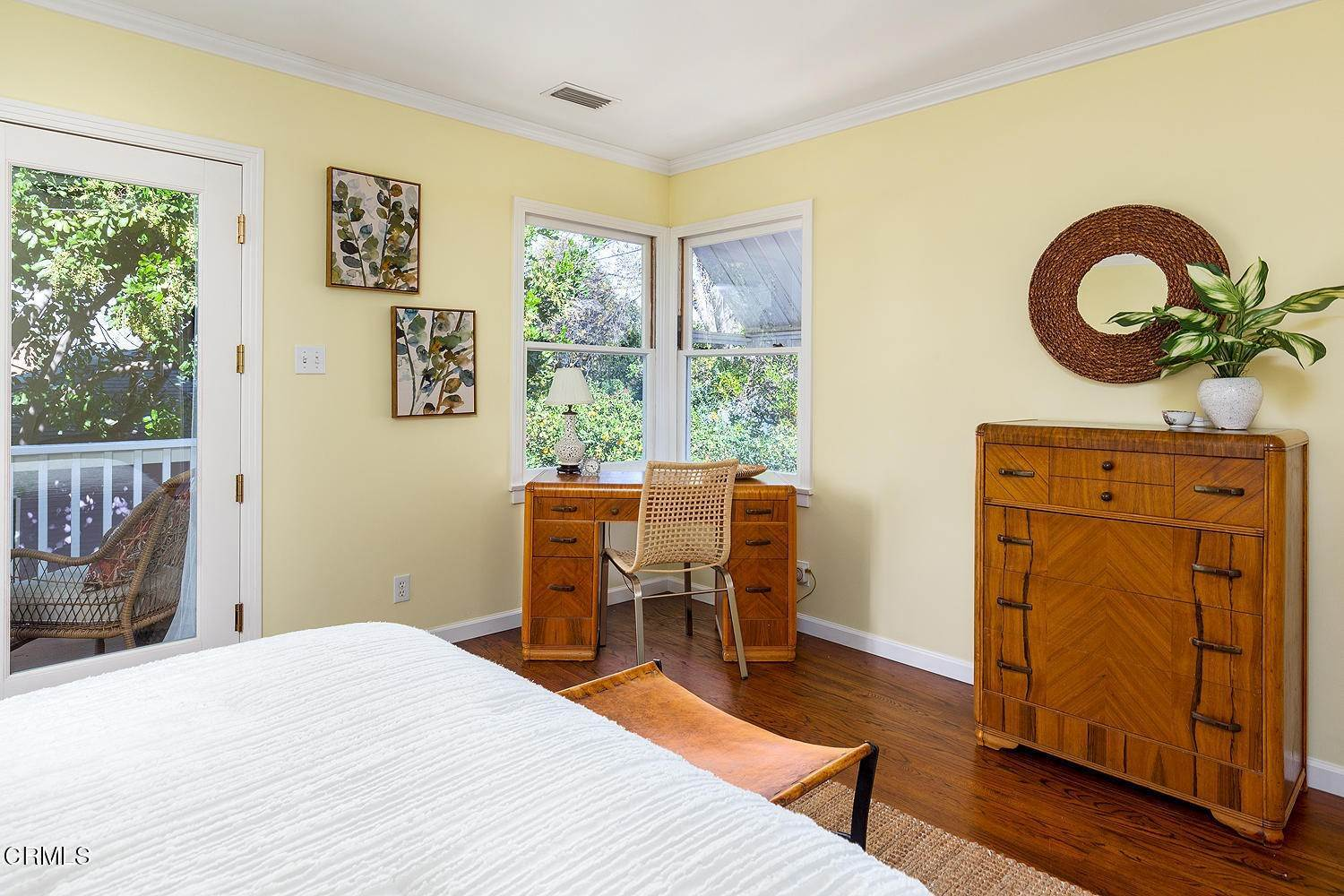 18. Single Family Homes for Sale at 98 Pinecrest Drive South Pasadena, California 91030 United States