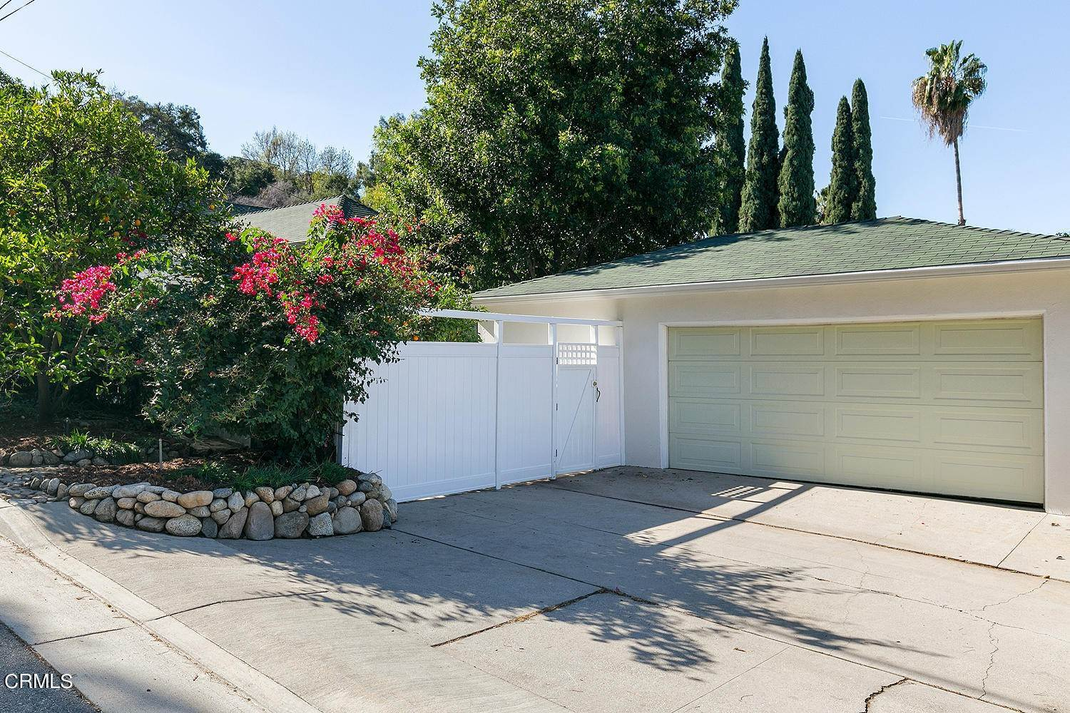33. Single Family Homes for Sale at 98 Pinecrest Drive South Pasadena, California 91030 United States