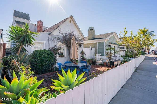 2. Single Family Homes for Sale at 306 34th Street Newport Beach, California 92663 United States