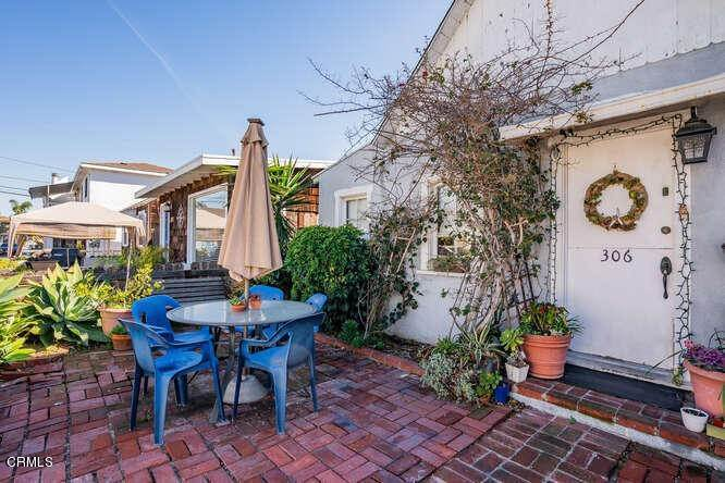4. Single Family Homes for Sale at 306 34th Street Newport Beach, California 92663 United States