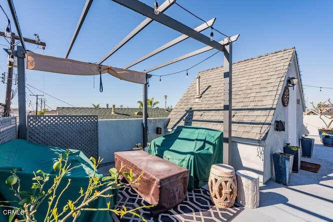 21. Single Family Homes for Sale at 306 34th Street Newport Beach, California 92663 United States