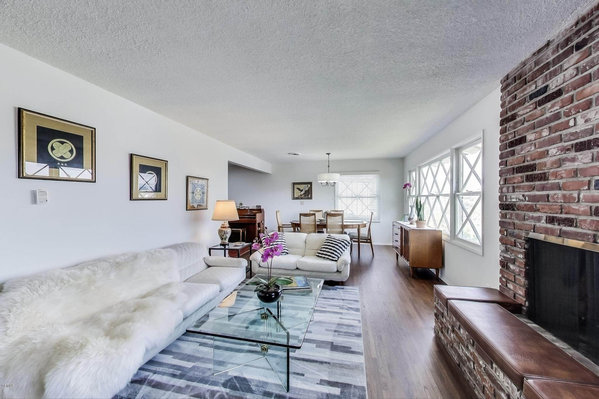 4. Single Family Homes for Sale at 2534 Ivan Hill Terrace Terrace Los Angeles, California 90039 United States