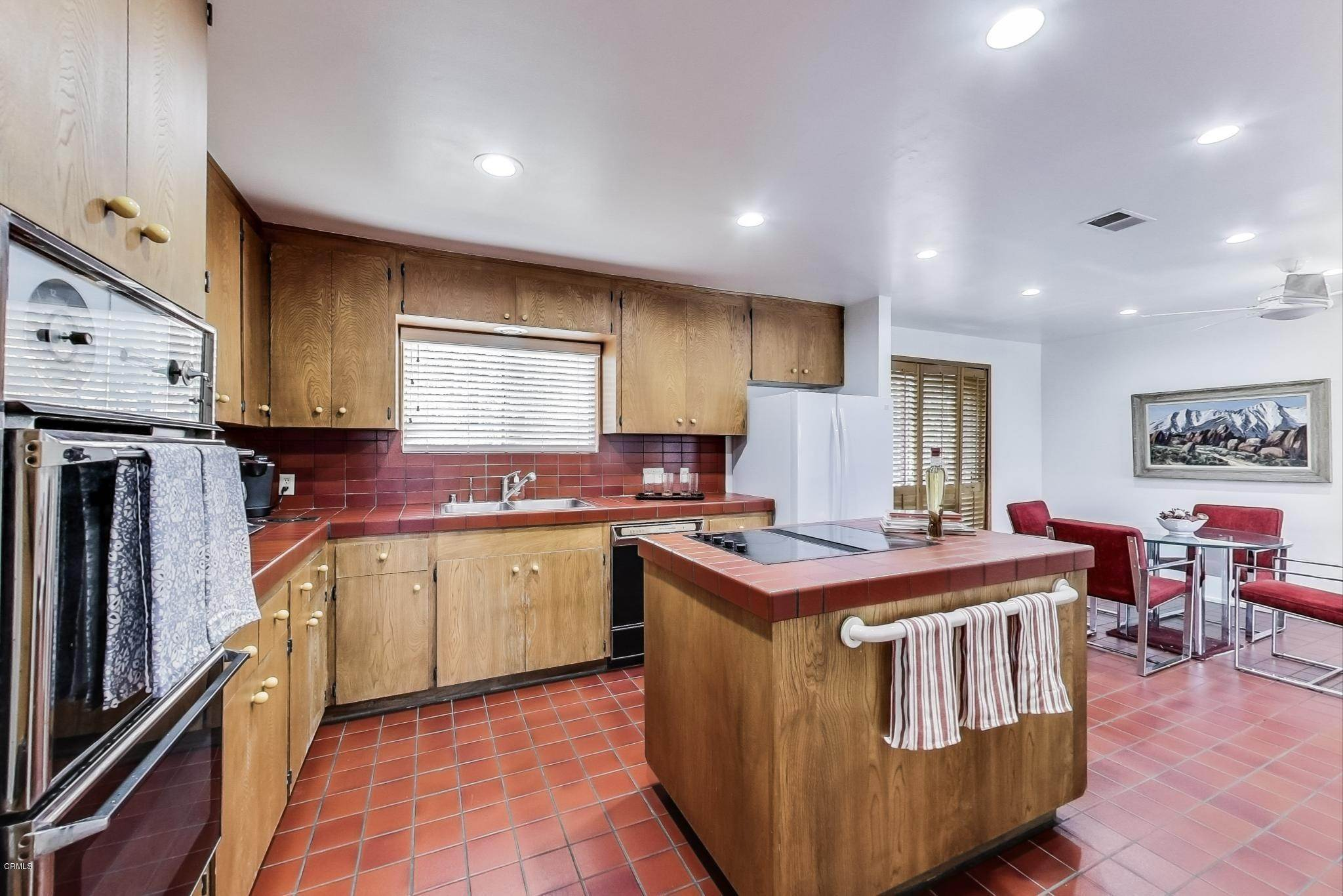 11. Single Family Homes for Sale at 2534 Ivan Hill Terrace Terrace Los Angeles, California 90039 United States