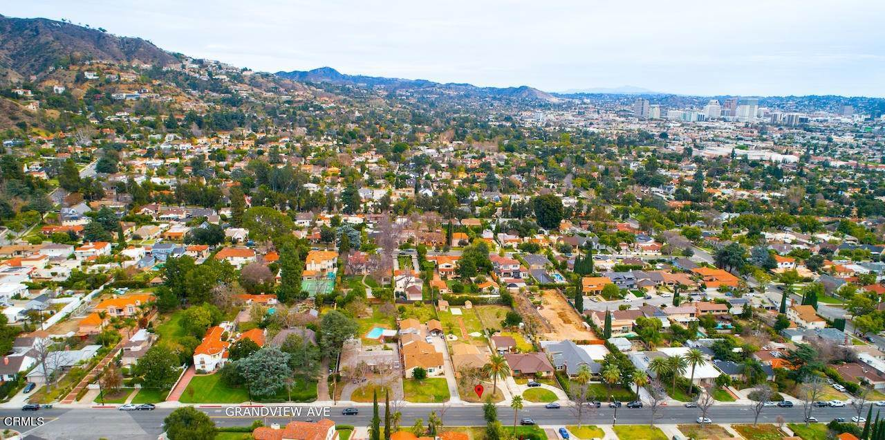 32. Single Family Homes for Sale at 1546 Grandview Avenue Glendale, California 91201 United States