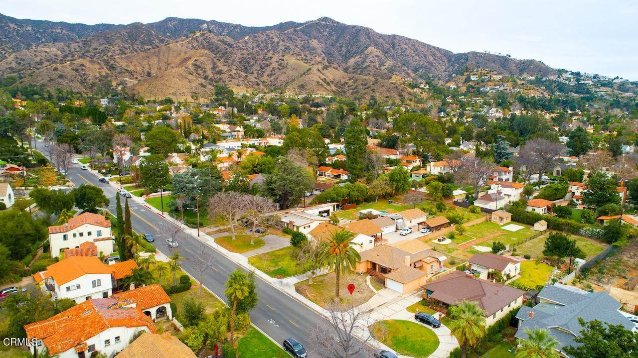 31. Single Family Homes for Sale at 1546 Grandview Avenue Glendale, California 91201 United States